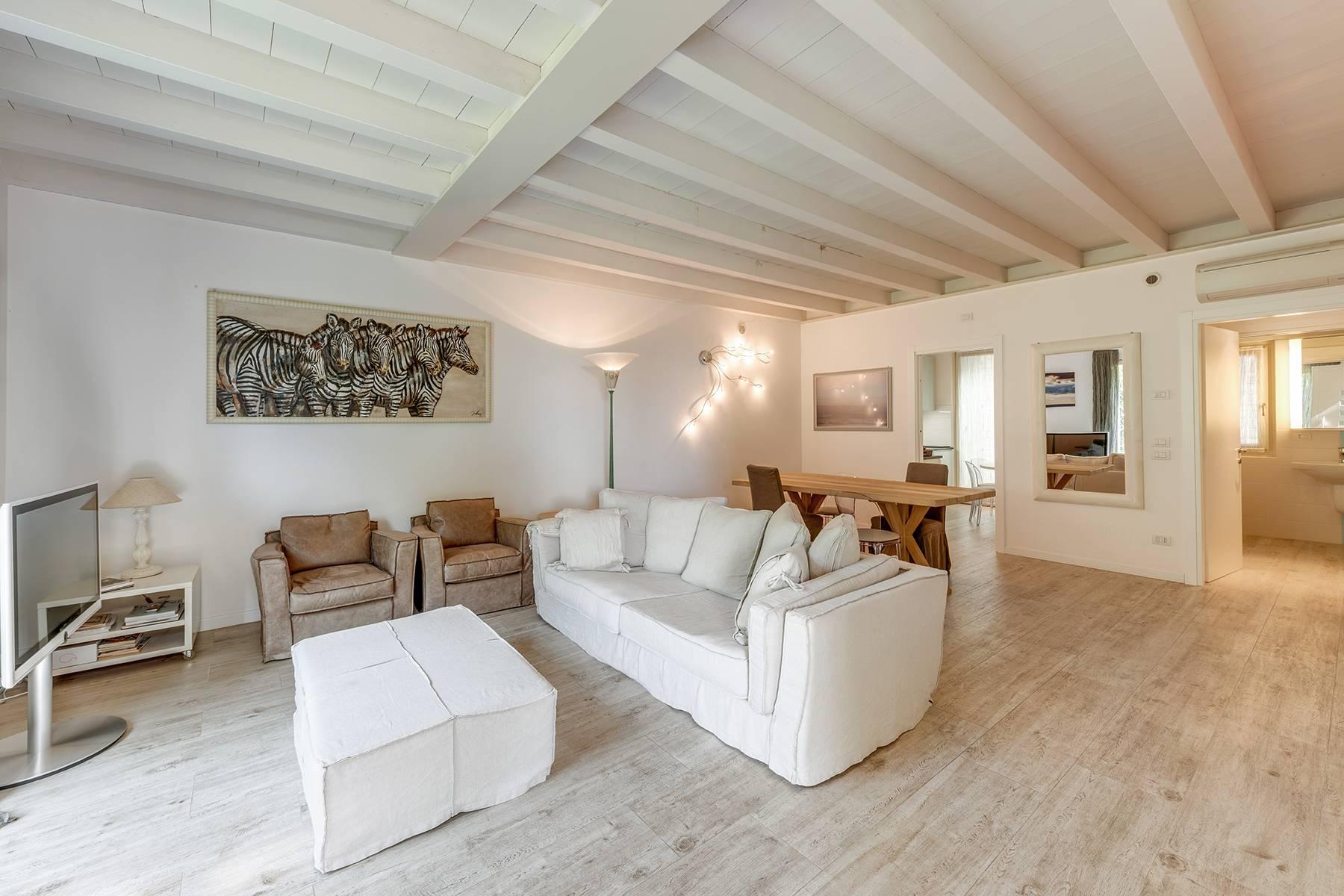 Villa in Vendita a Bardolino: 5 locali, 230 mq - Foto 2