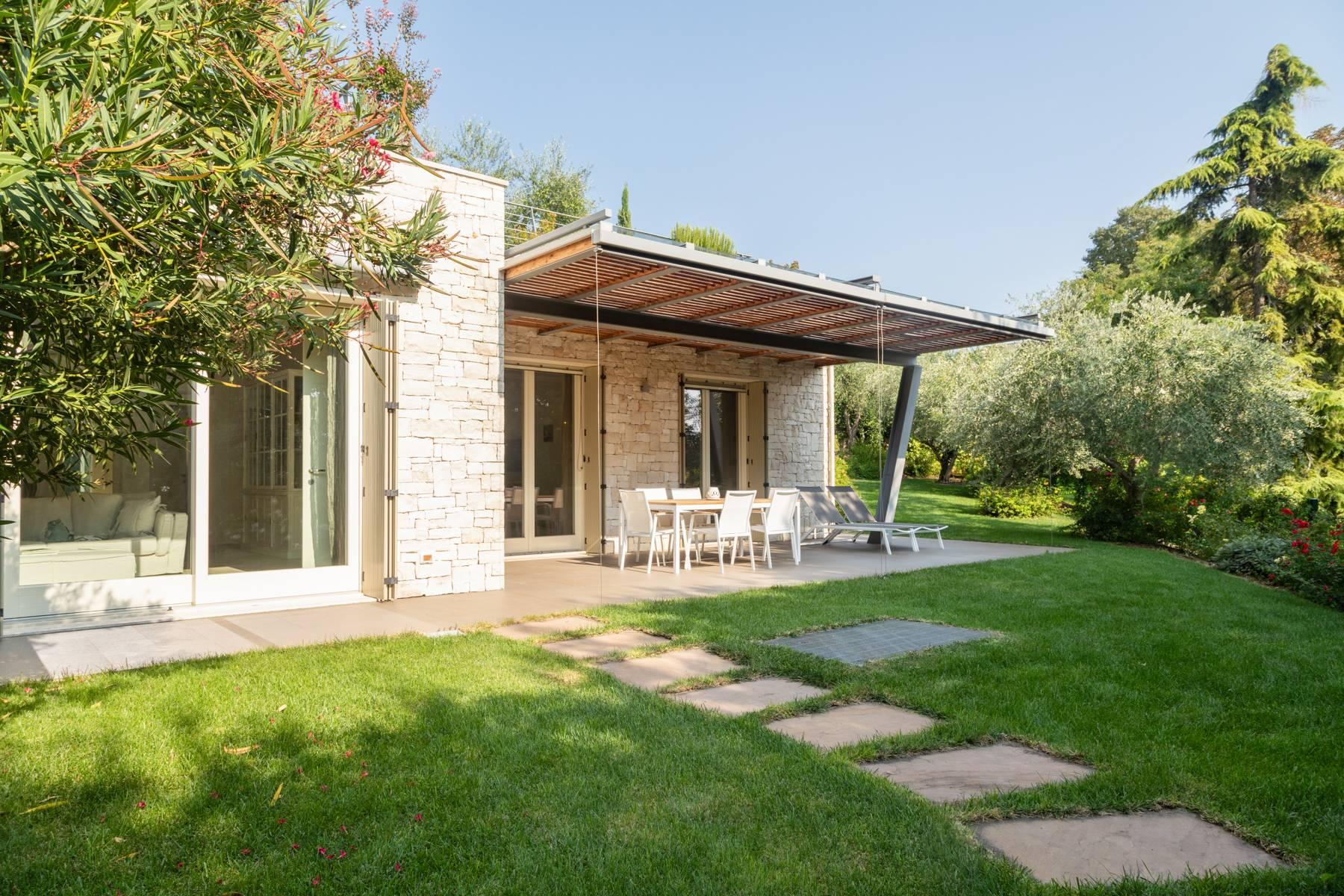 Villa in Vendita a Bardolino: 5 locali, 230 mq - Foto 1