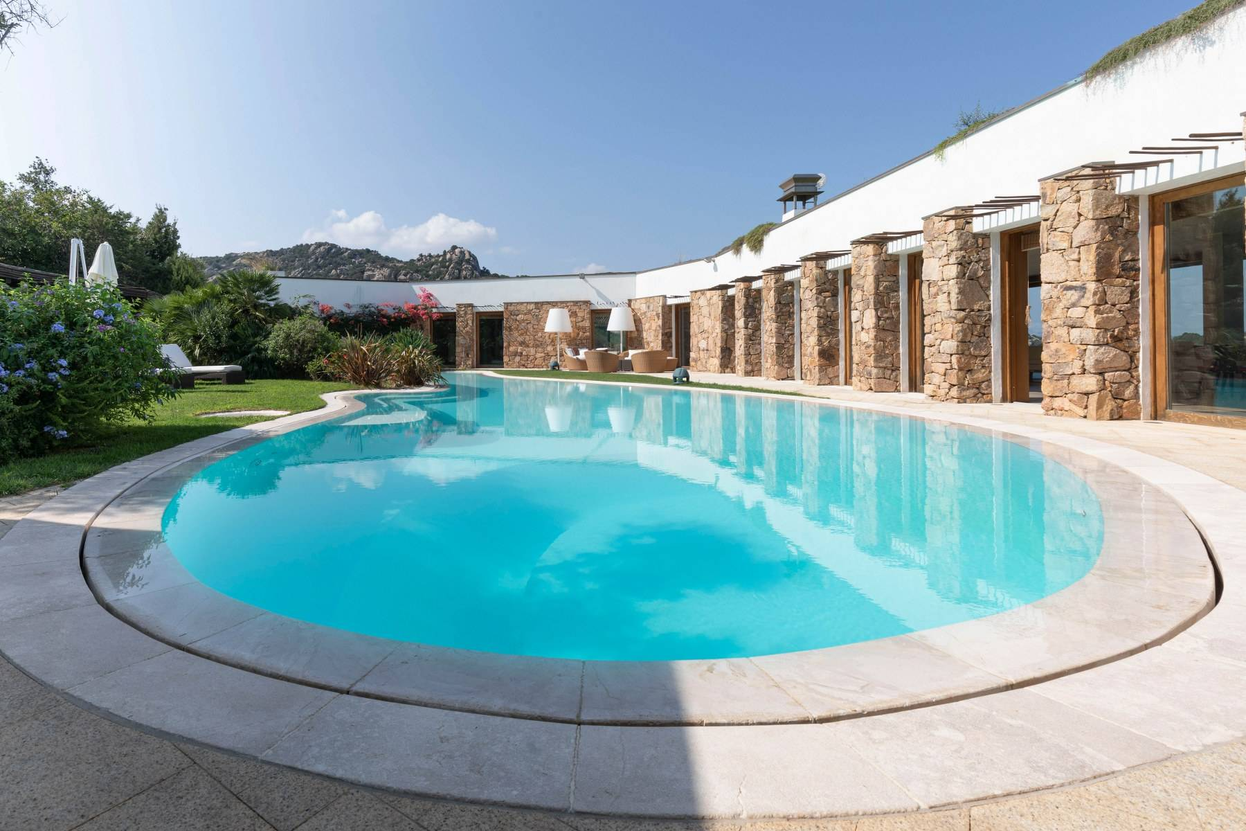 Villa in Vendita a Arzachena: 5 locali, 975 mq - Foto 15