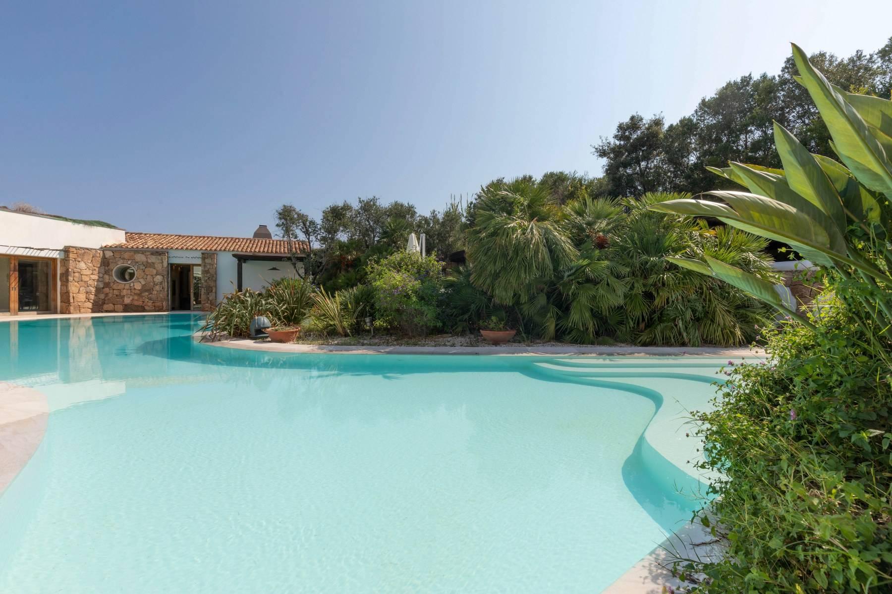 Villa in Vendita a Arzachena: 5 locali, 975 mq - Foto 9