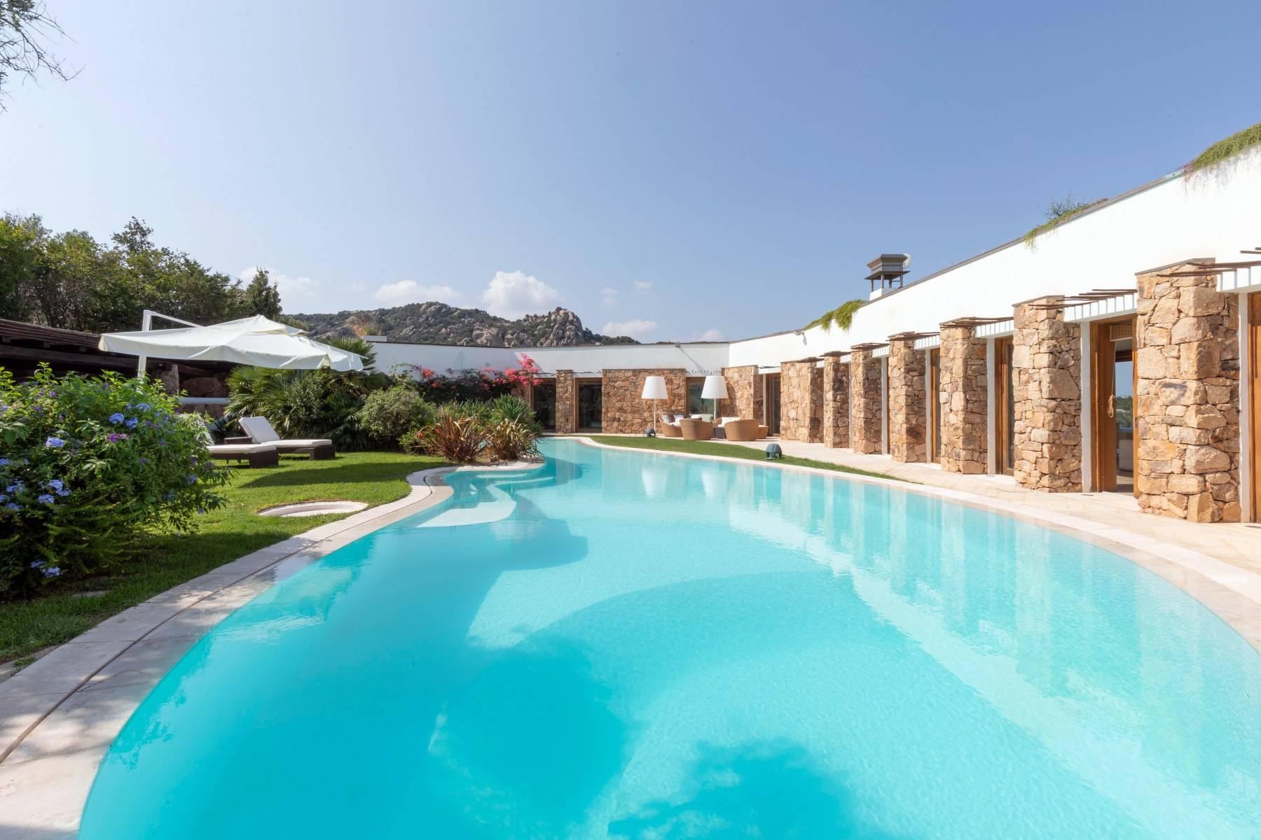 Villa in Vendita a Arzachena: 5 locali, 975 mq - Foto 8