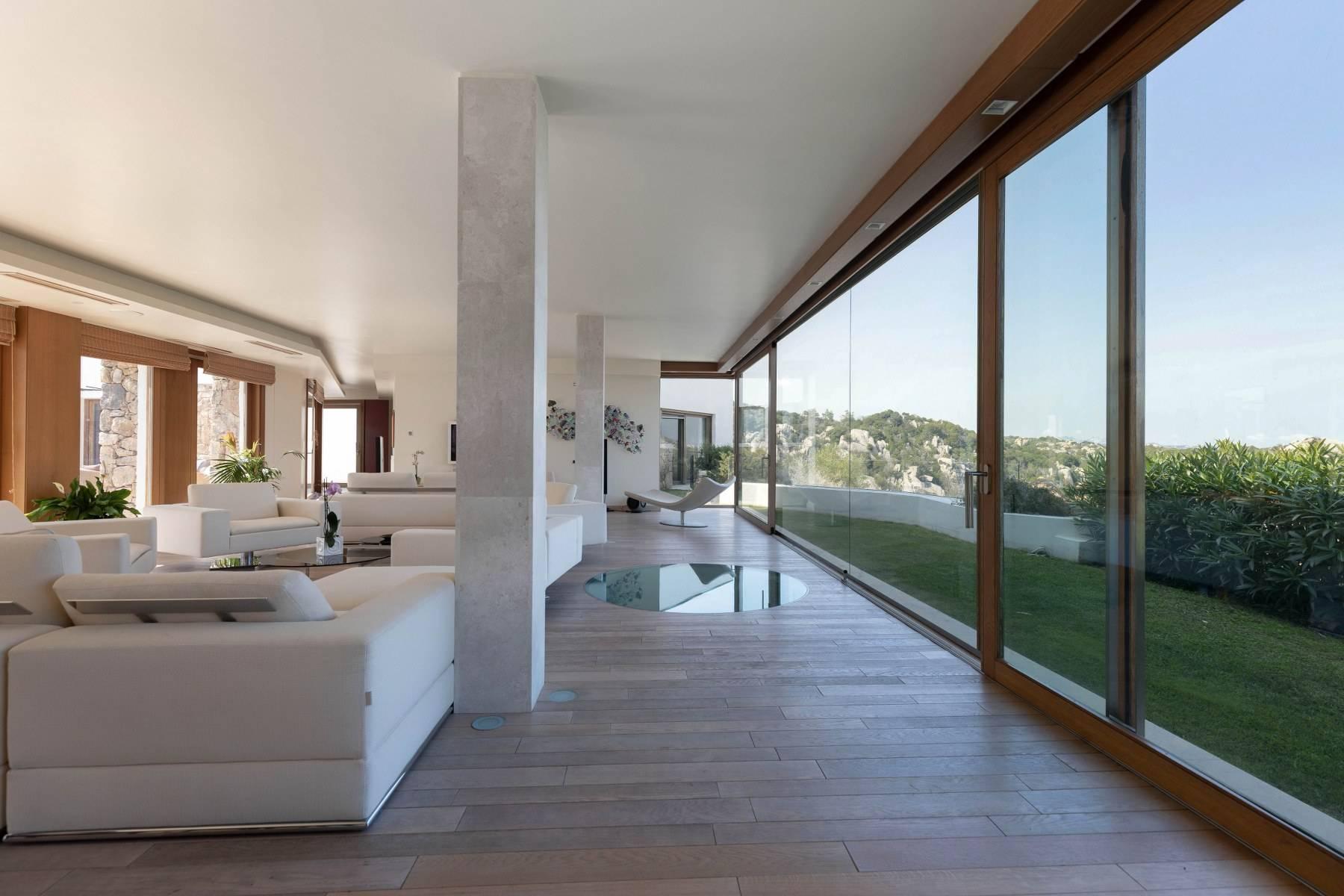 Villa in Vendita a Arzachena: 5 locali, 975 mq - Foto 2
