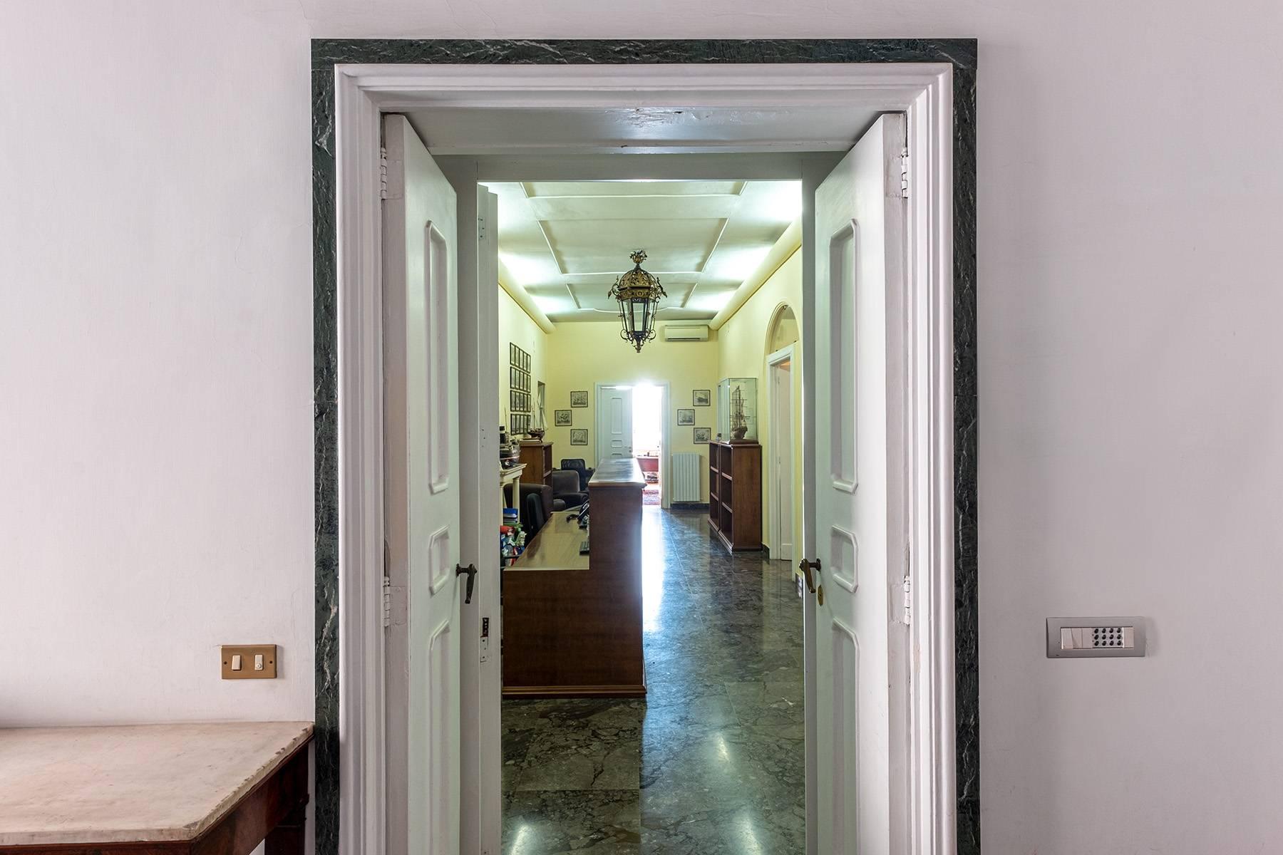 Appartamento in Affitto a Napoli: 5 locali, 170 mq - Foto 25