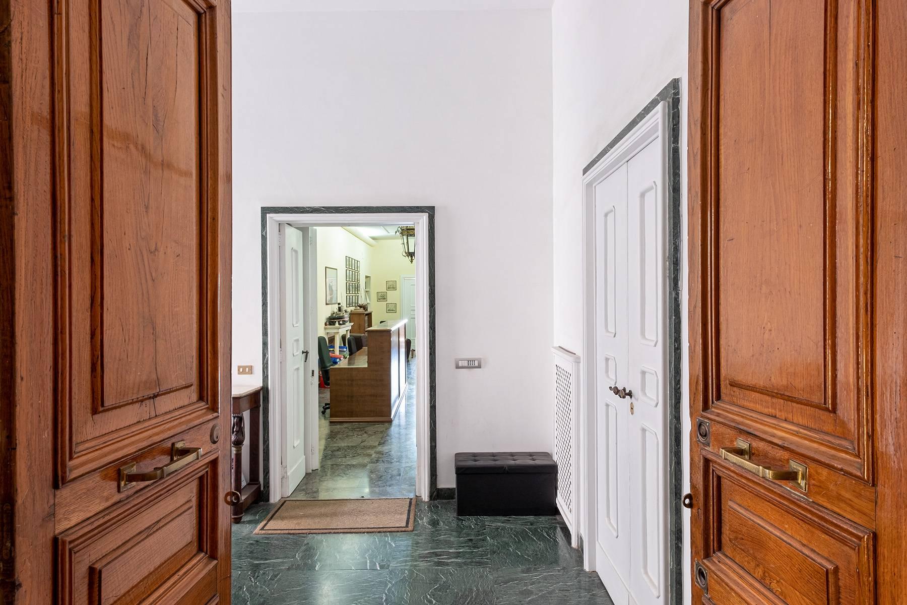 Appartamento in Affitto a Napoli: 5 locali, 170 mq - Foto 7
