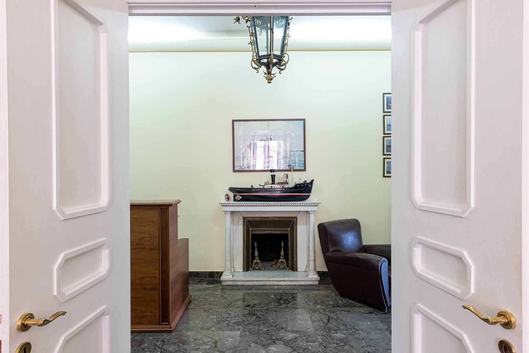 Appartamento in Affitto a Napoli: 5 locali, 170 mq - Foto 12