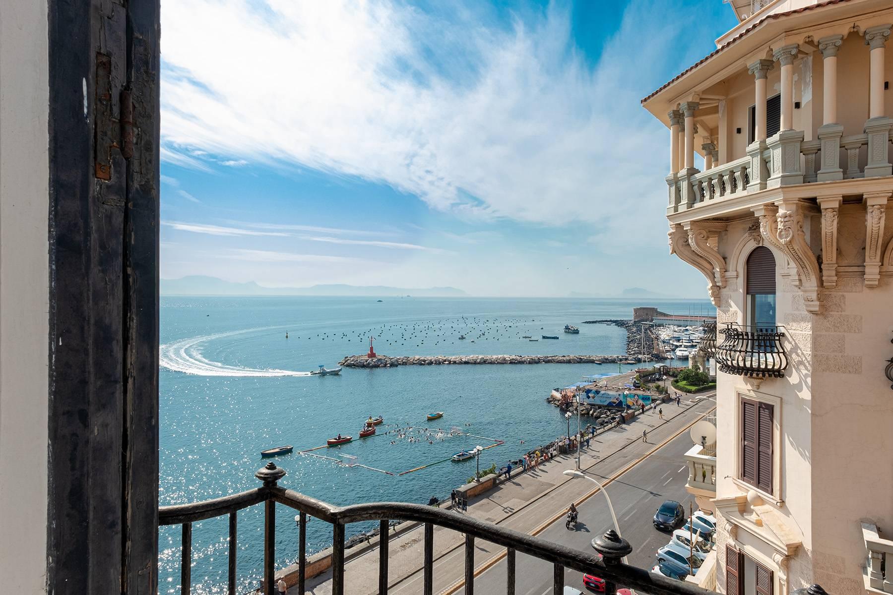 Appartamento in Affitto a Napoli via palepoli
