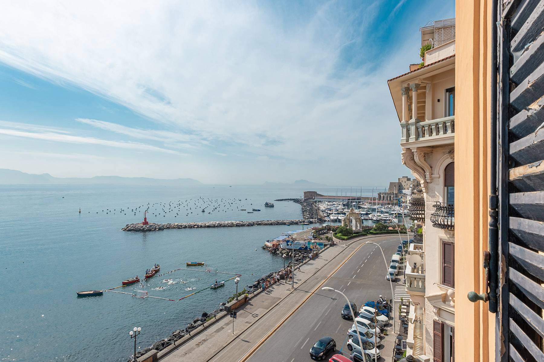 Appartamento in Affitto a Napoli: 5 locali, 170 mq - Foto 2