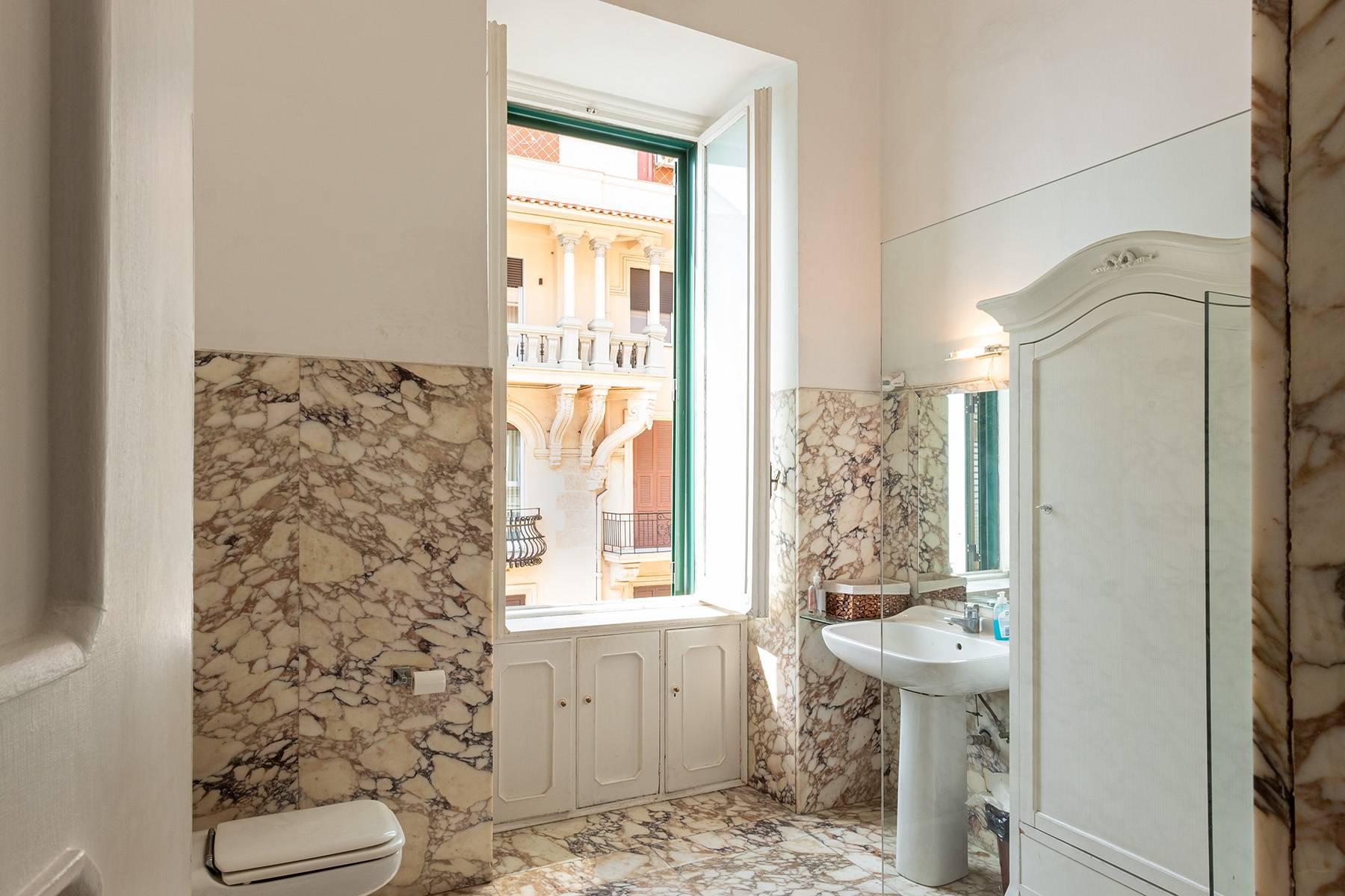 Appartamento in Affitto a Napoli: 5 locali, 170 mq - Foto 21