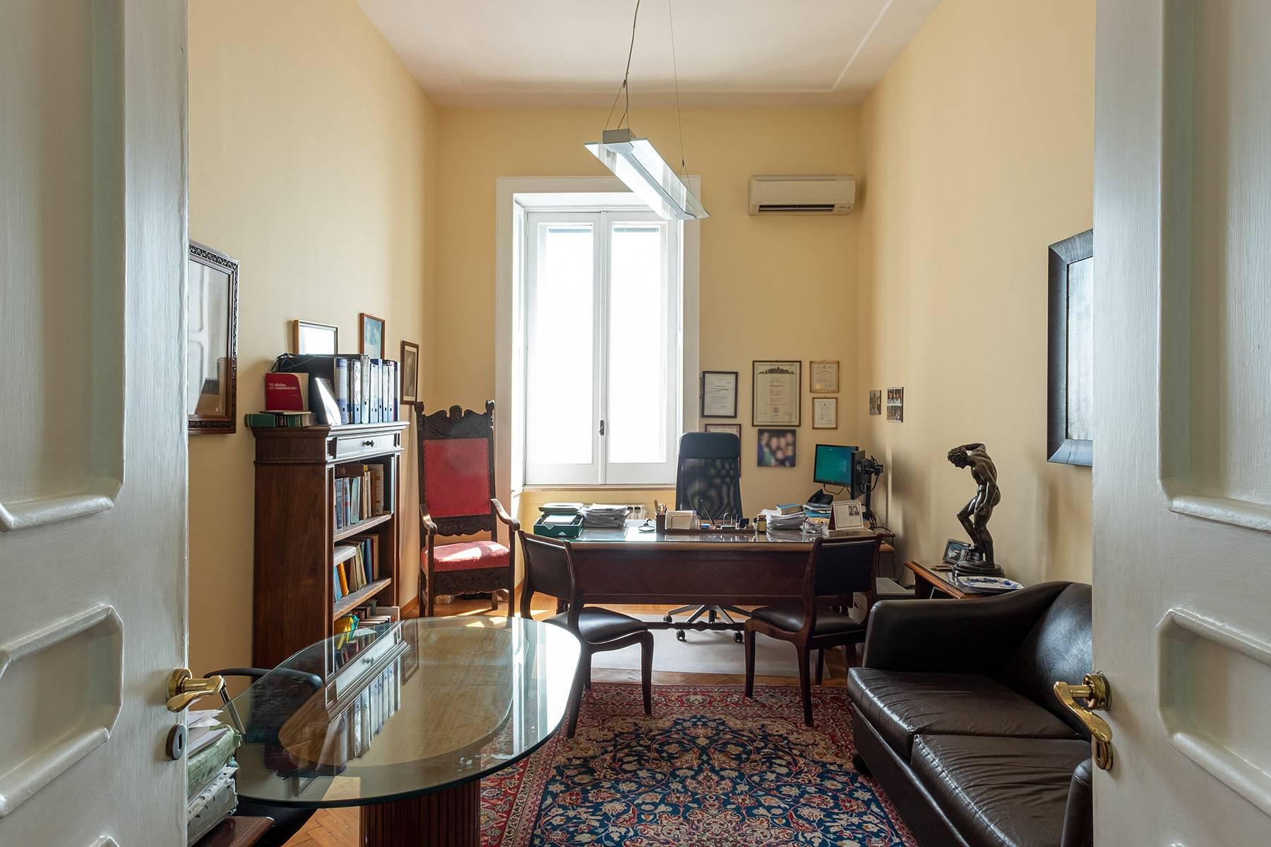 Appartamento in Affitto a Napoli: 5 locali, 170 mq - Foto 19