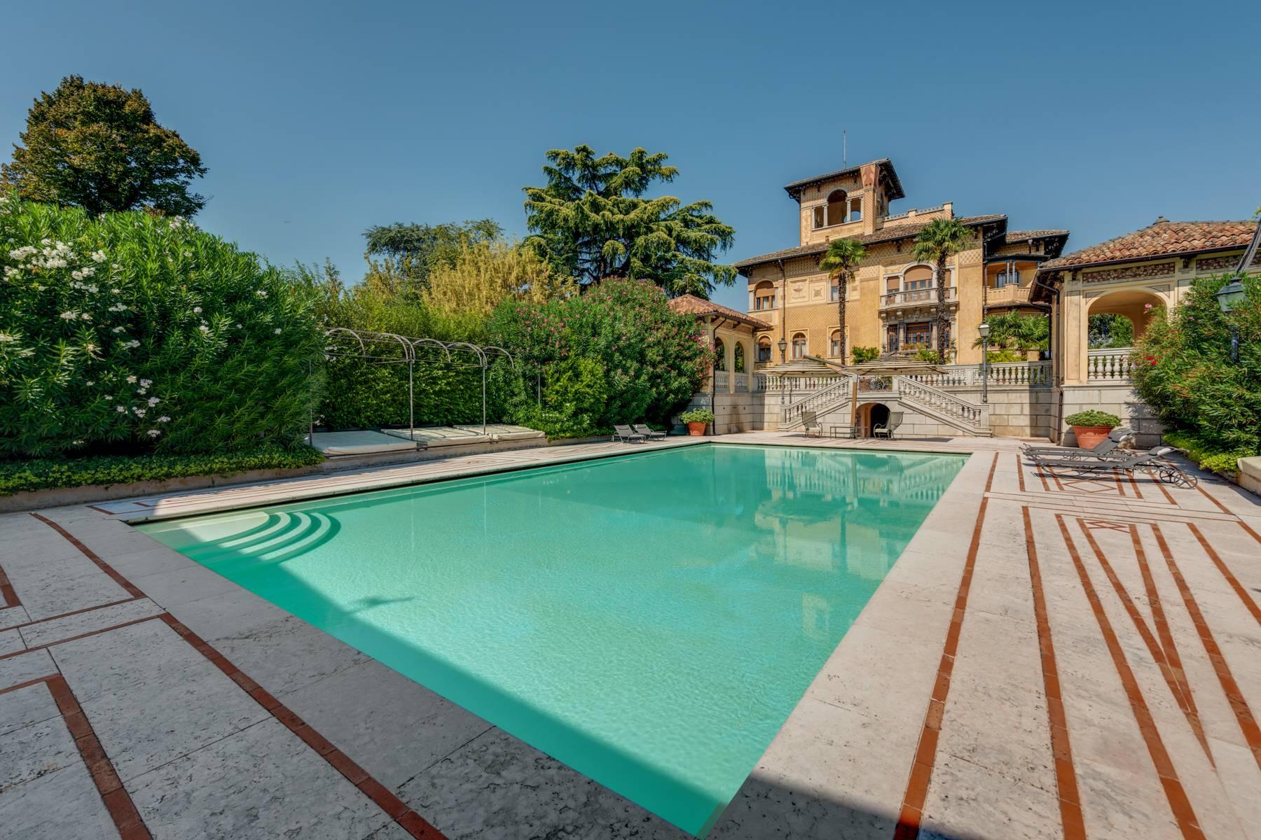 Villa in Vendita a Lonato: 5 locali, 2900 mq - Foto 1