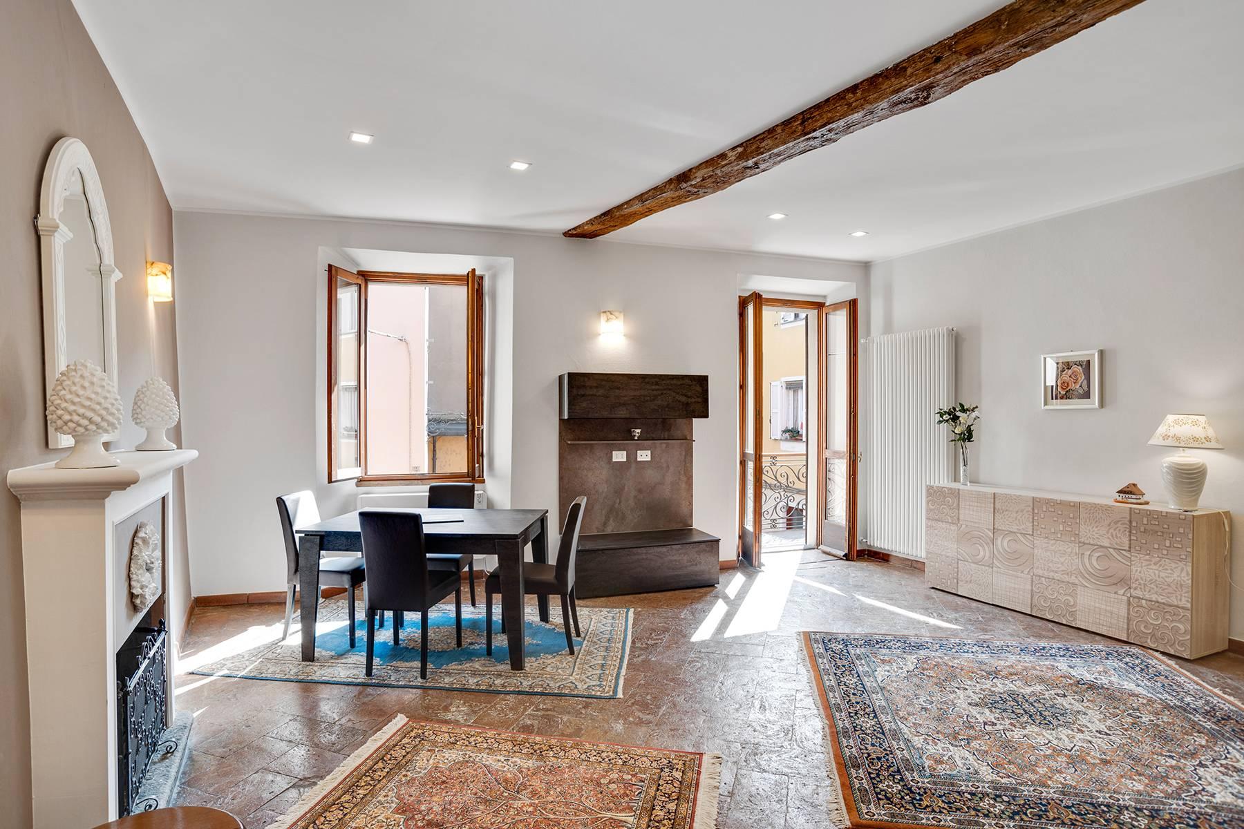 Appartamento in Affitto a Arona: 4 locali, 114 mq