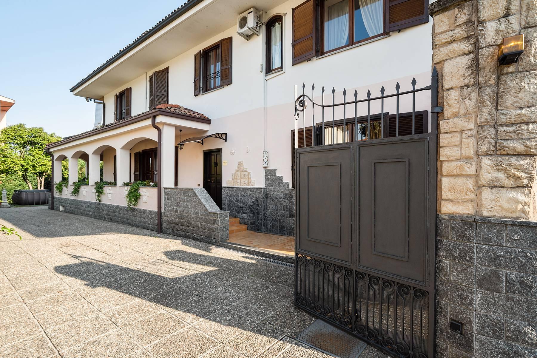 Villa in Vendita a Arona: 5 locali, 246 mq - Foto 3