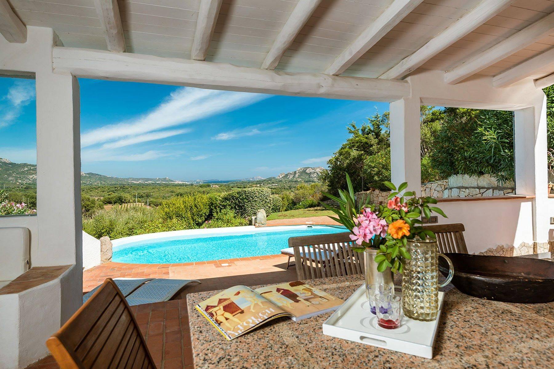 Villa in Vendita a Arzachena: 5 locali, 250 mq - Foto 1