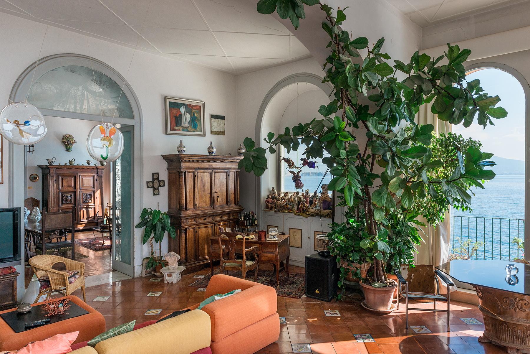 Appartamento in Vendita a Napoli: 5 locali, 450 mq - Foto 3