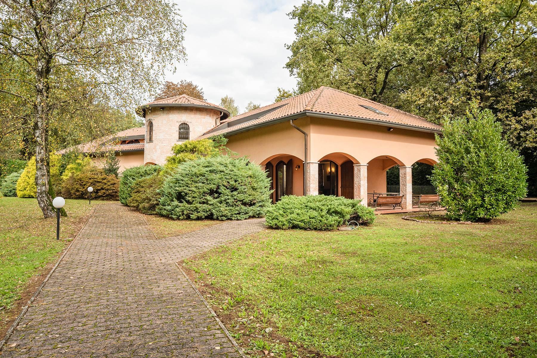 Villa in Vendita a Guanzate via della pineta