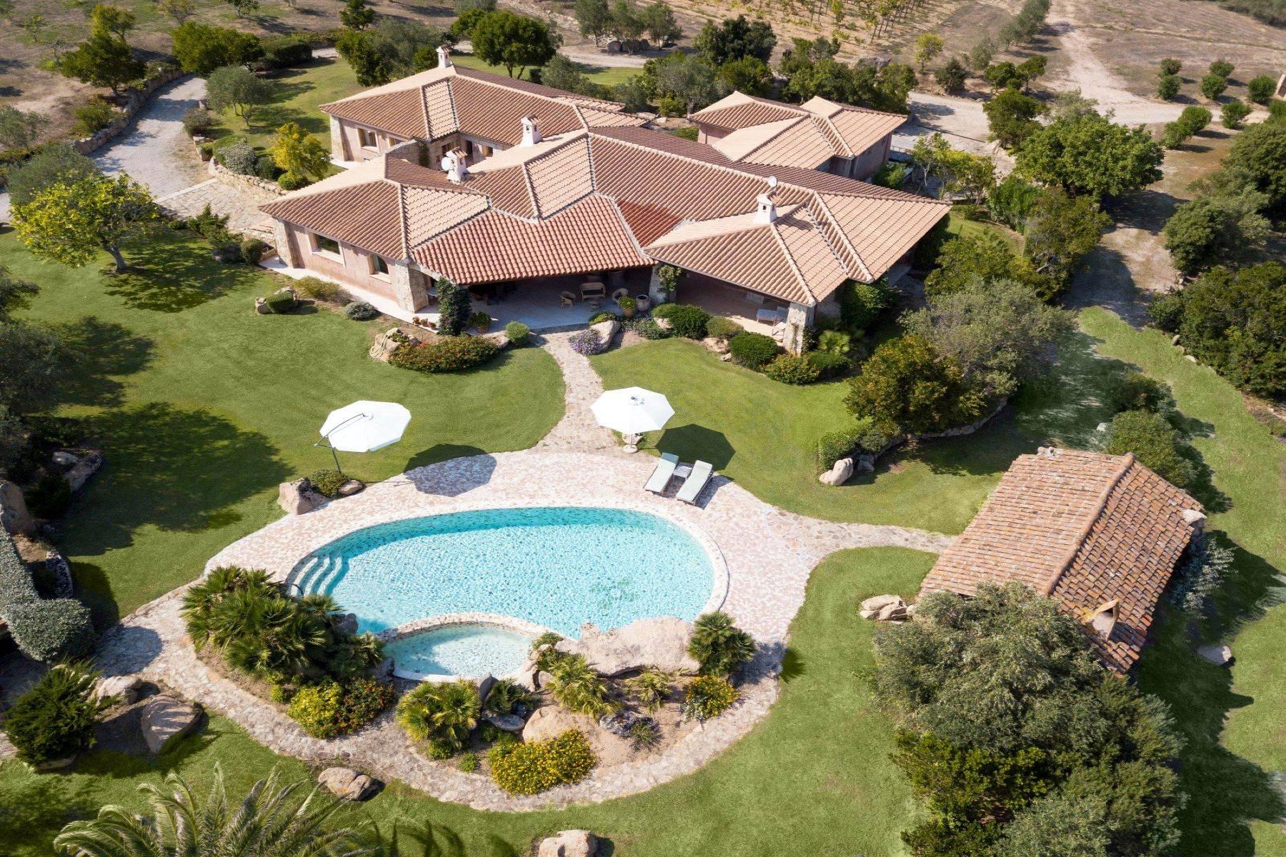 Villa in Vendita a Arzachena: 5 locali, 600 mq - Foto 1