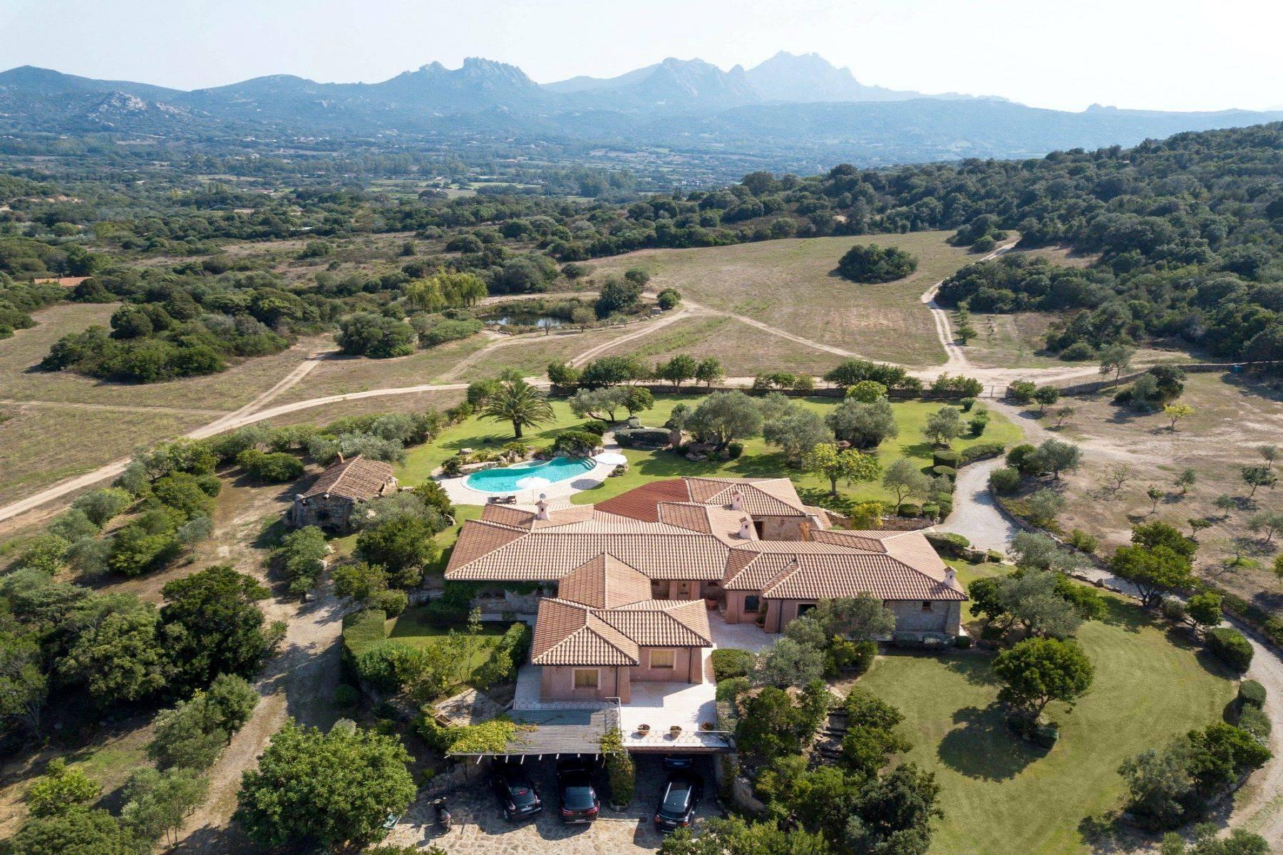 Villa in Vendita a Arzachena: 5 locali, 600 mq - Foto 14