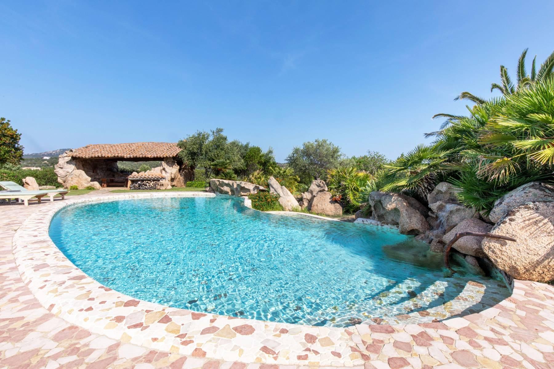 Villa in Vendita a Arzachena: 5 locali, 600 mq - Foto 3