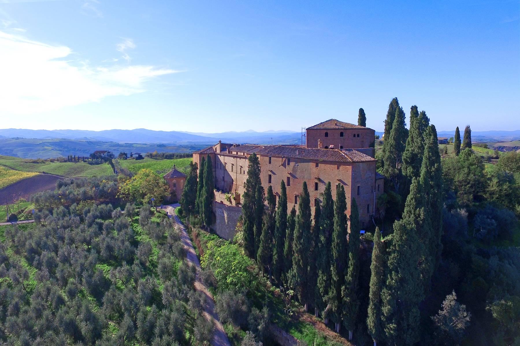 Villa in Vendita a Montalcino strada provinciale