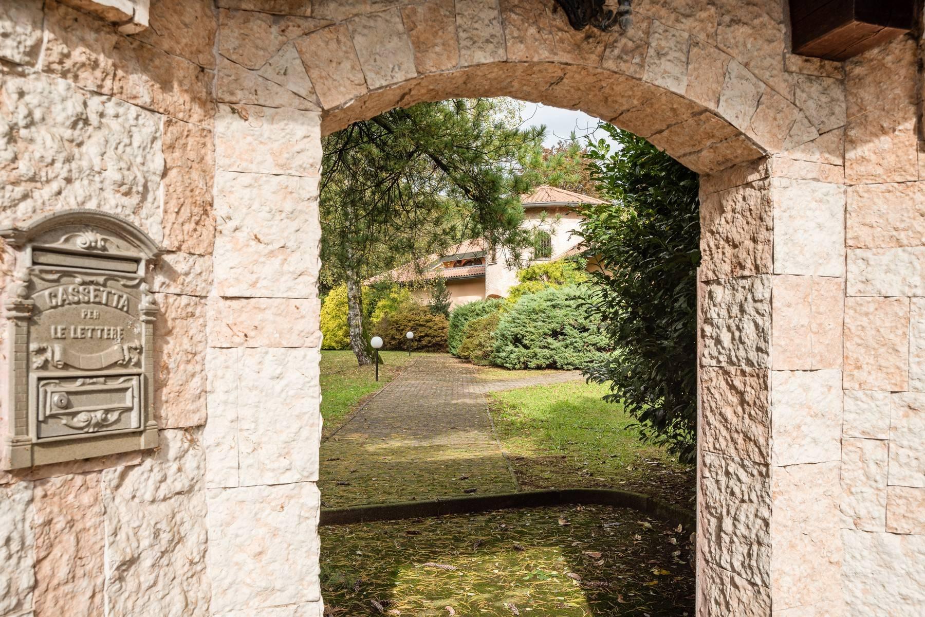 Villa in Vendita a Guanzate: 5 locali, 800 mq - Foto 8