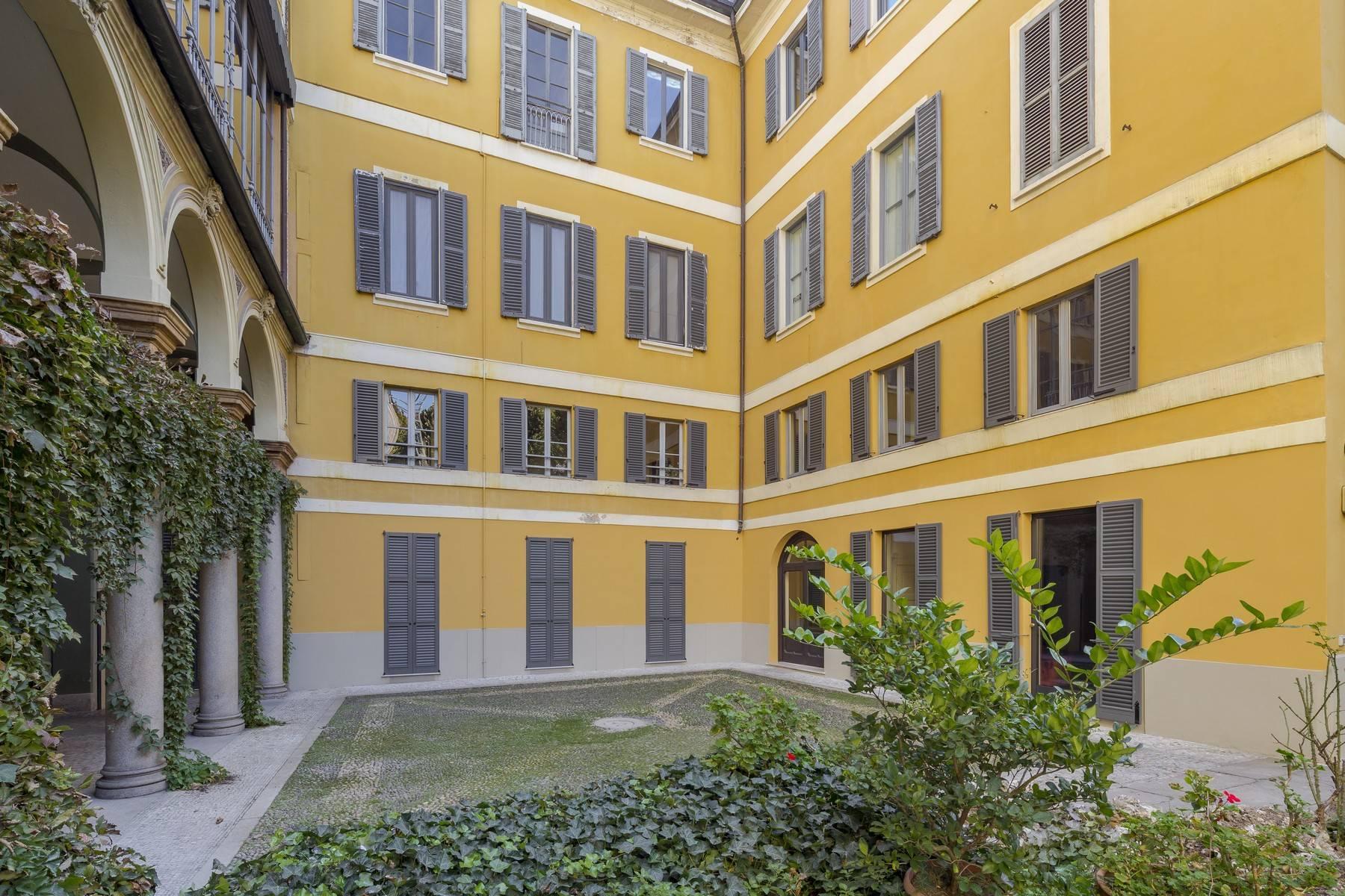 Negozio-locale in Affitto a Milano: 2 locali, 100 mq - Foto 24