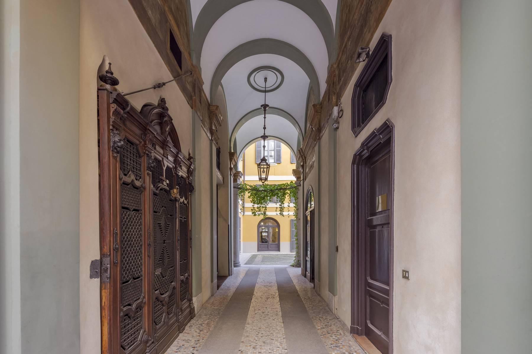 Negozio-locale in Affitto a Milano via della spiga