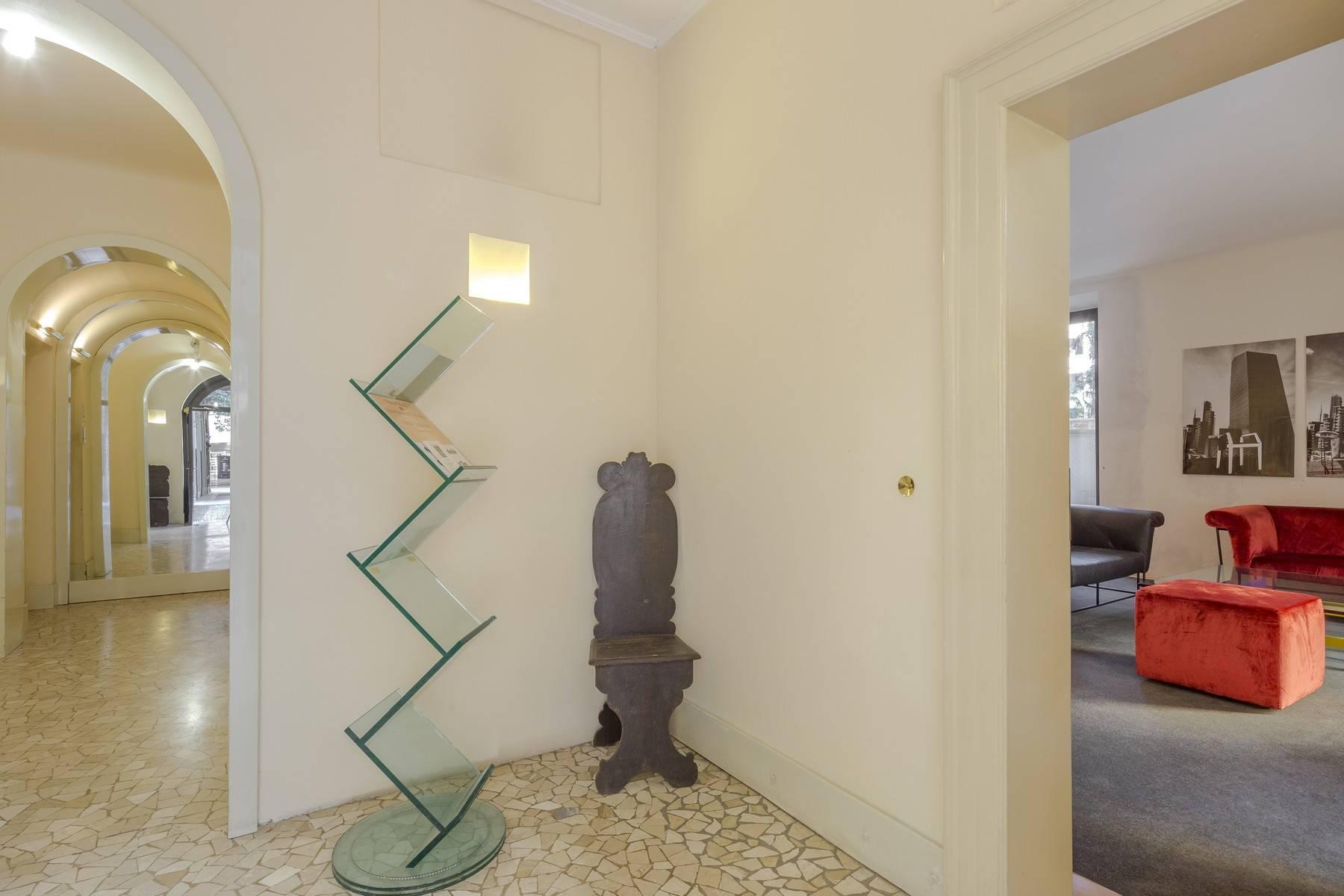 Negozio-locale in Affitto a Milano: 2 locali, 100 mq - Foto 7