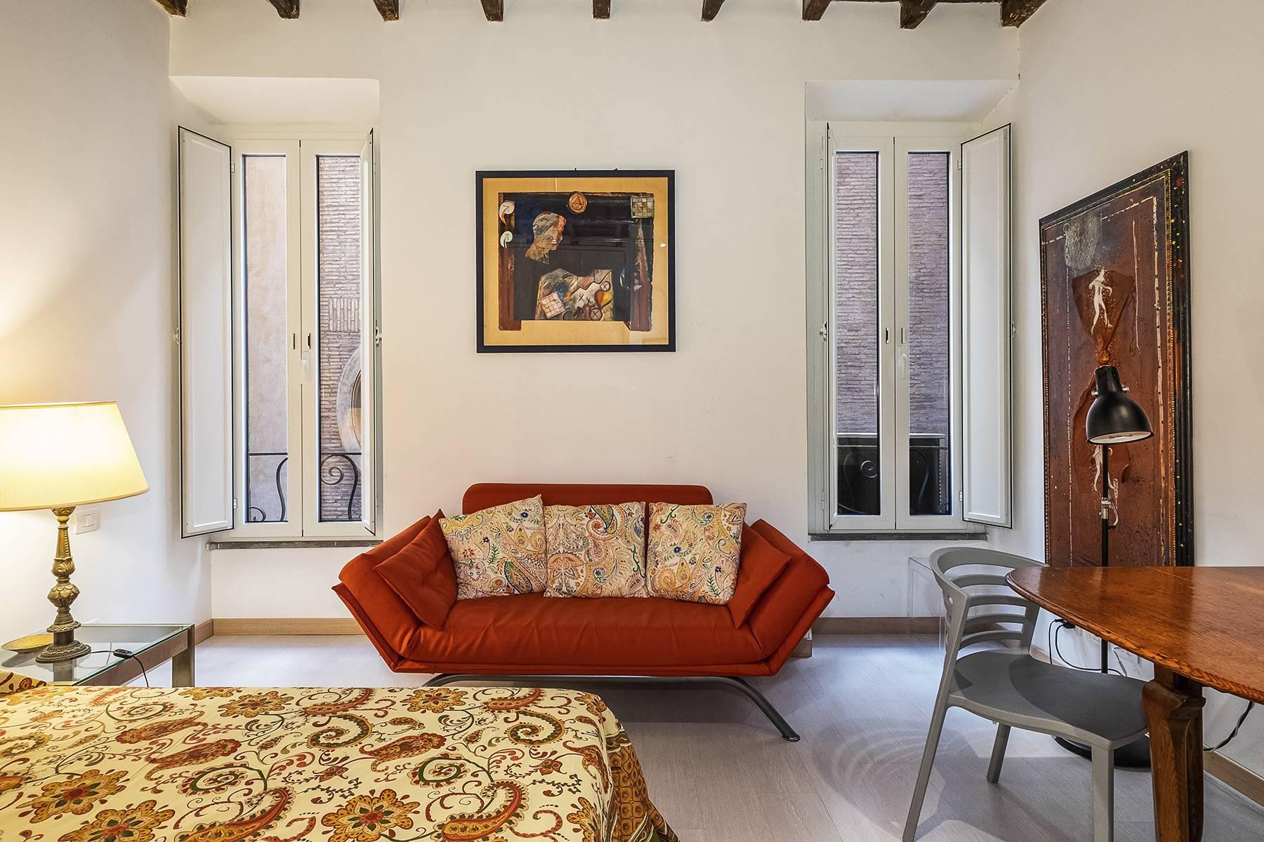 Appartamento in Affitto a Roma piazza capranica