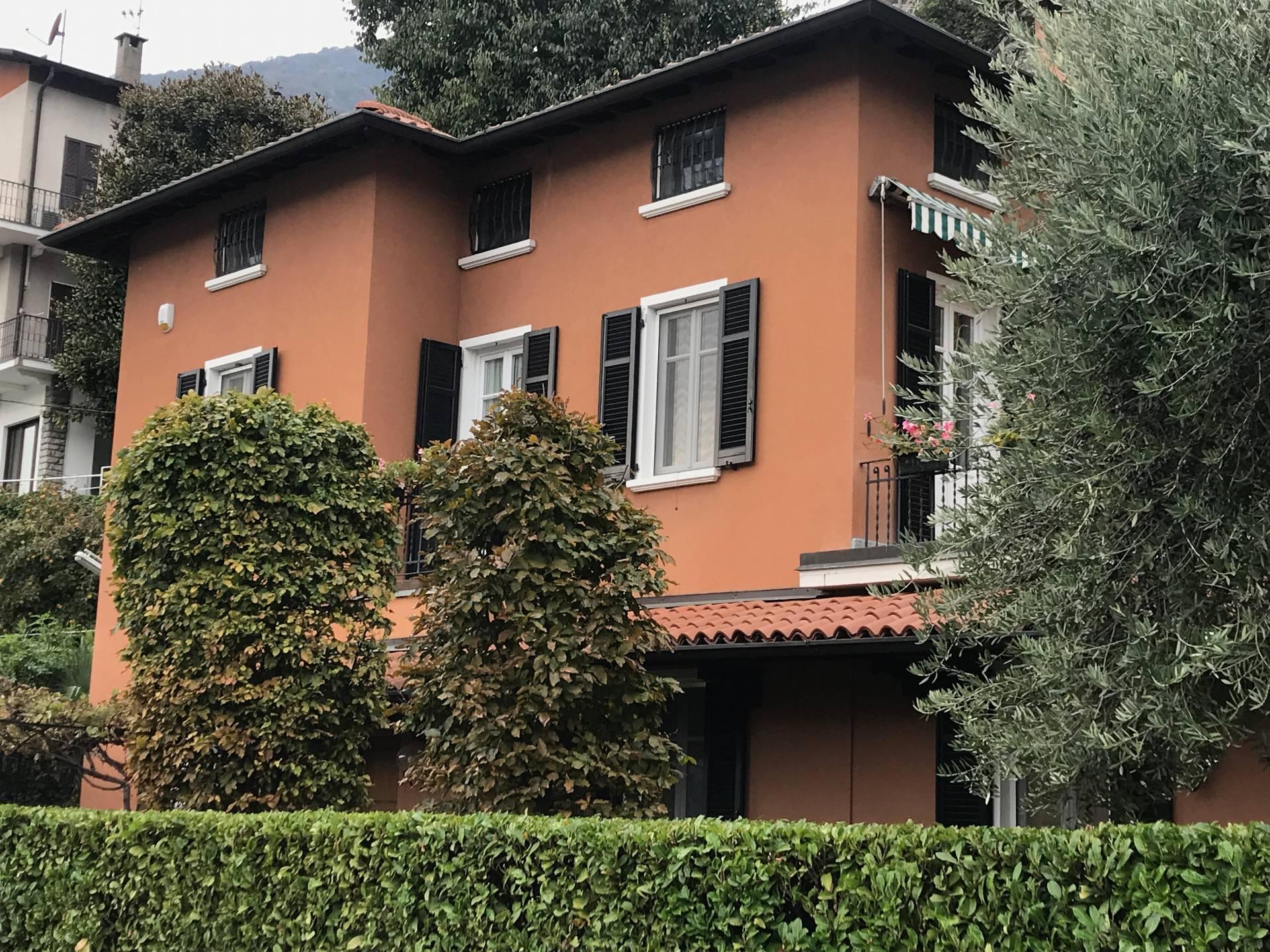 Villa in Vendita a Moltrasio via roma