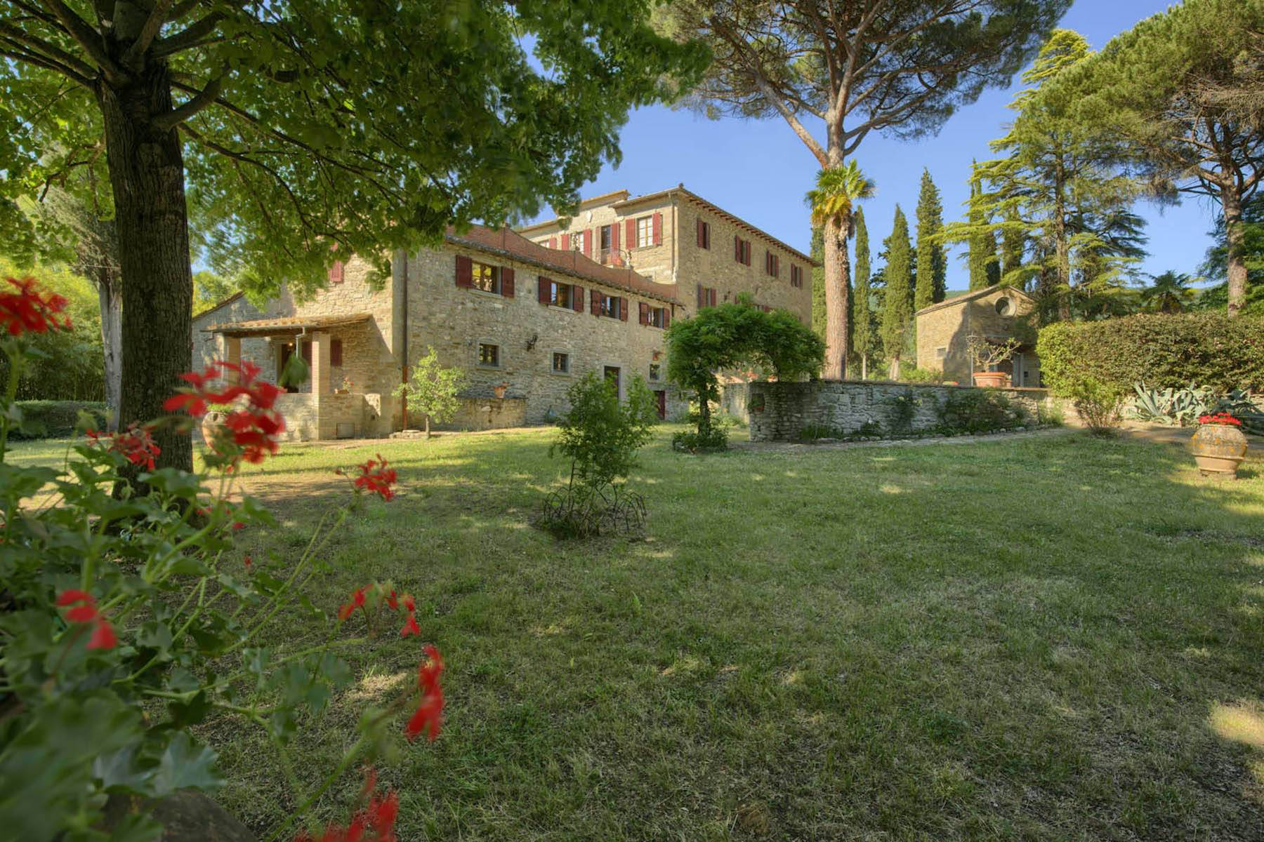 Villa in Vendita a Cortona: 5 locali, 985 mq
