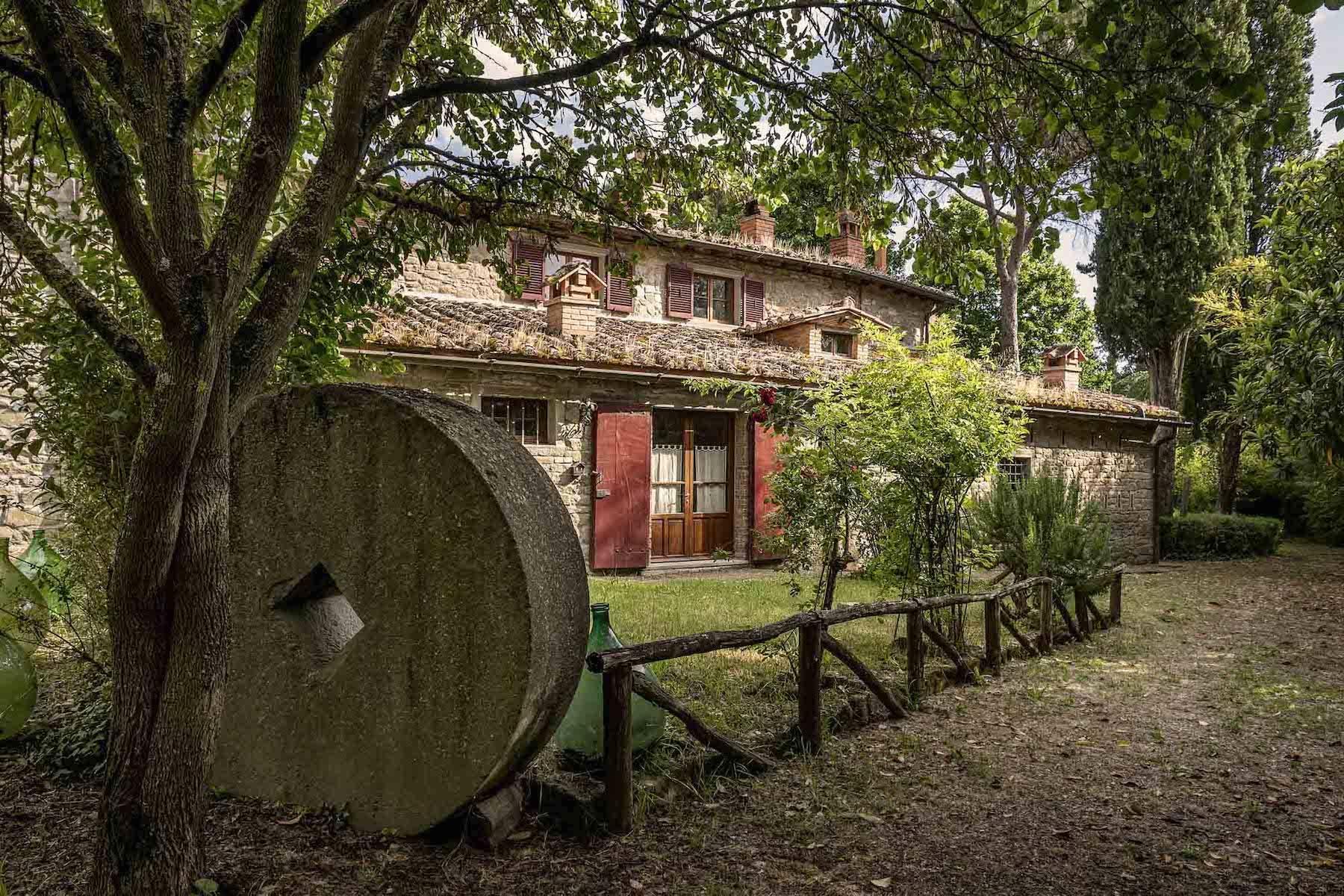 Villa in Vendita a Cortona: 5 locali, 985 mq - Foto 8