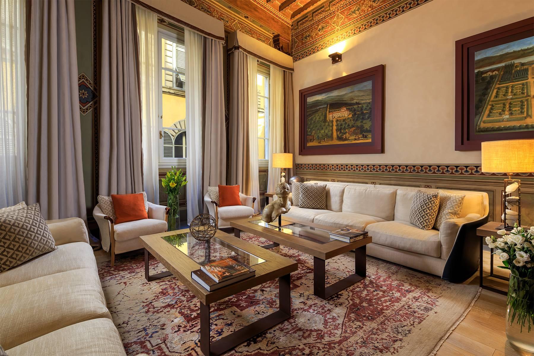 Appartamento in Vendita a Firenze: 5 locali, 360 mq - Foto 1