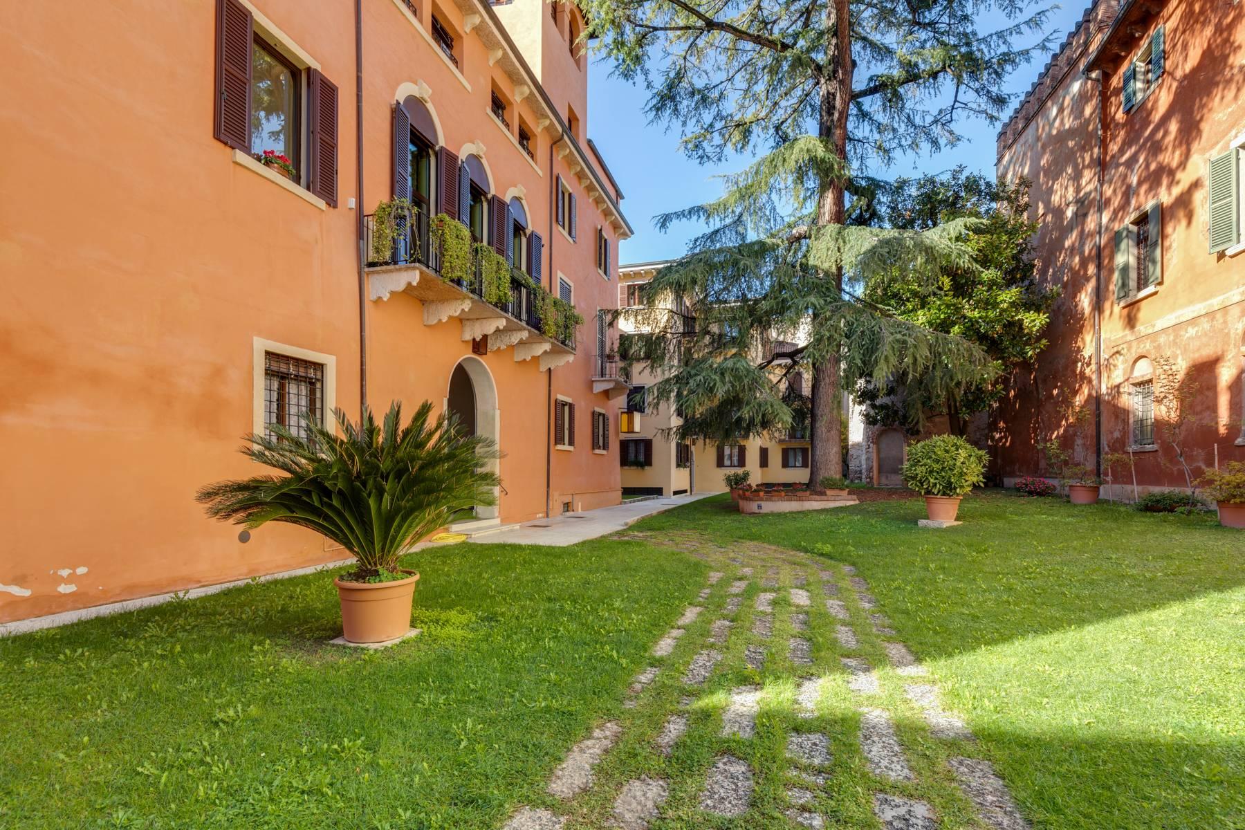 Attico in Vendita a Verona: 5 locali, 400 mq - Foto 2