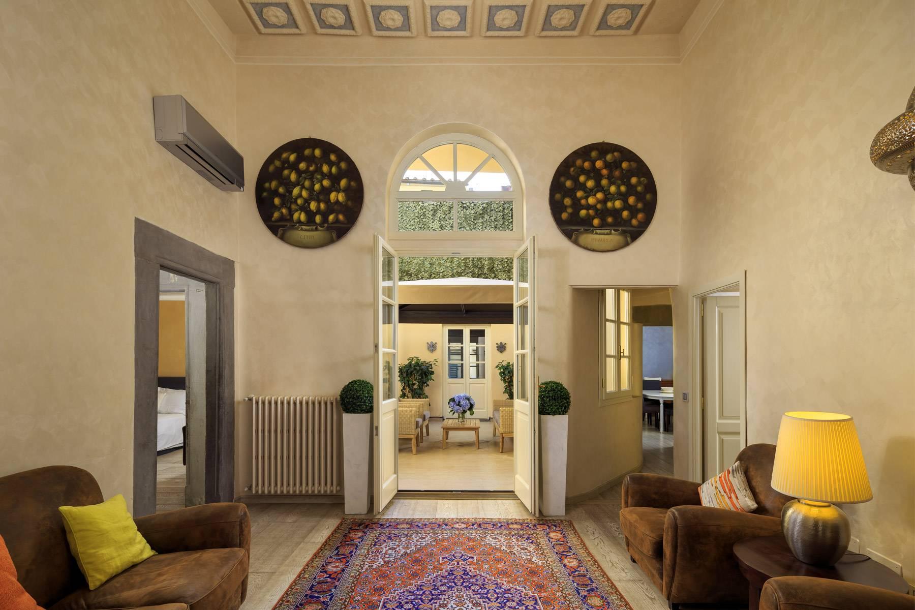 Appartamento in Vendita a Firenze via del corno