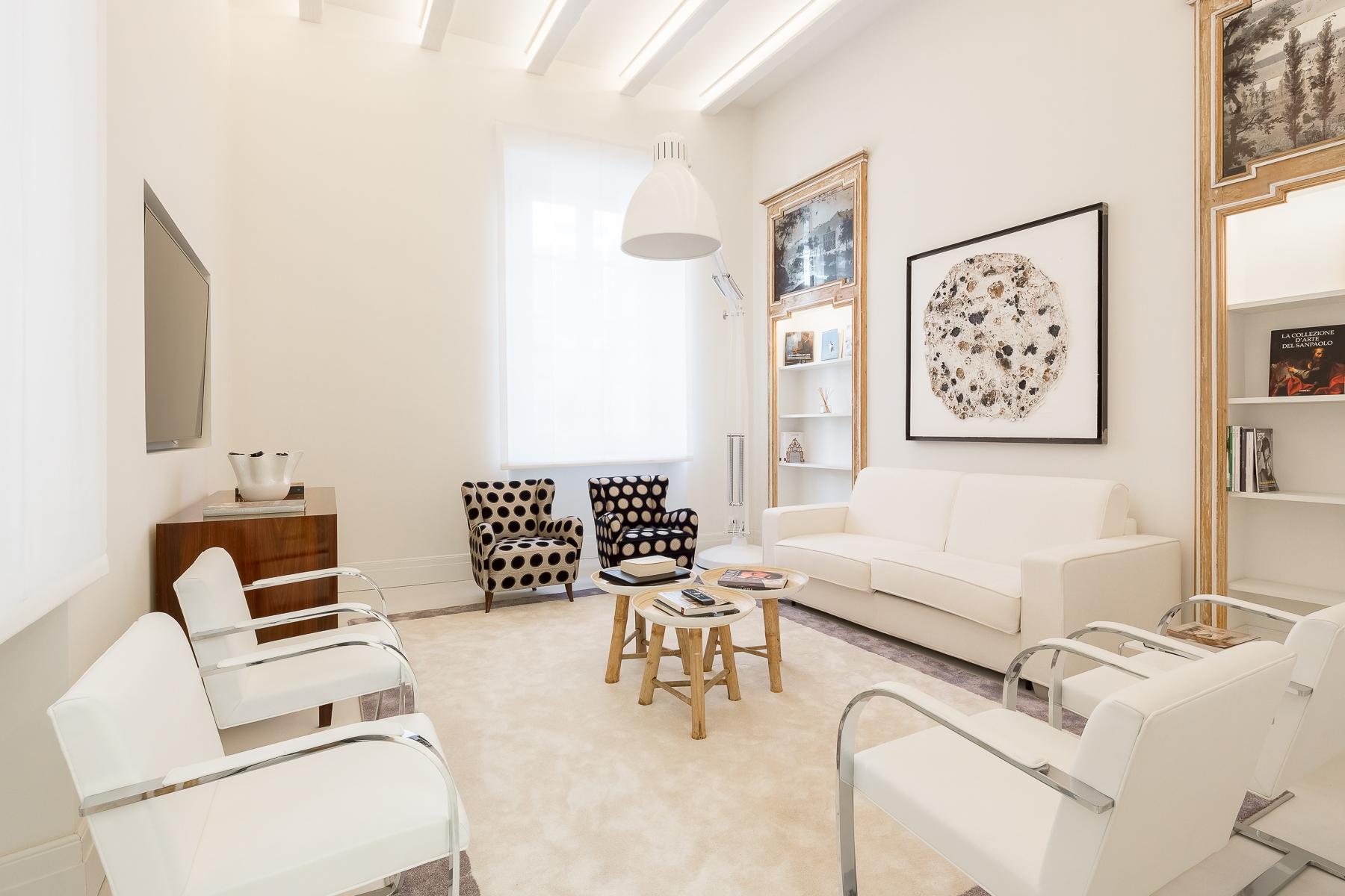 Appartamento in Affitto a Milano borgo via borgonuovo