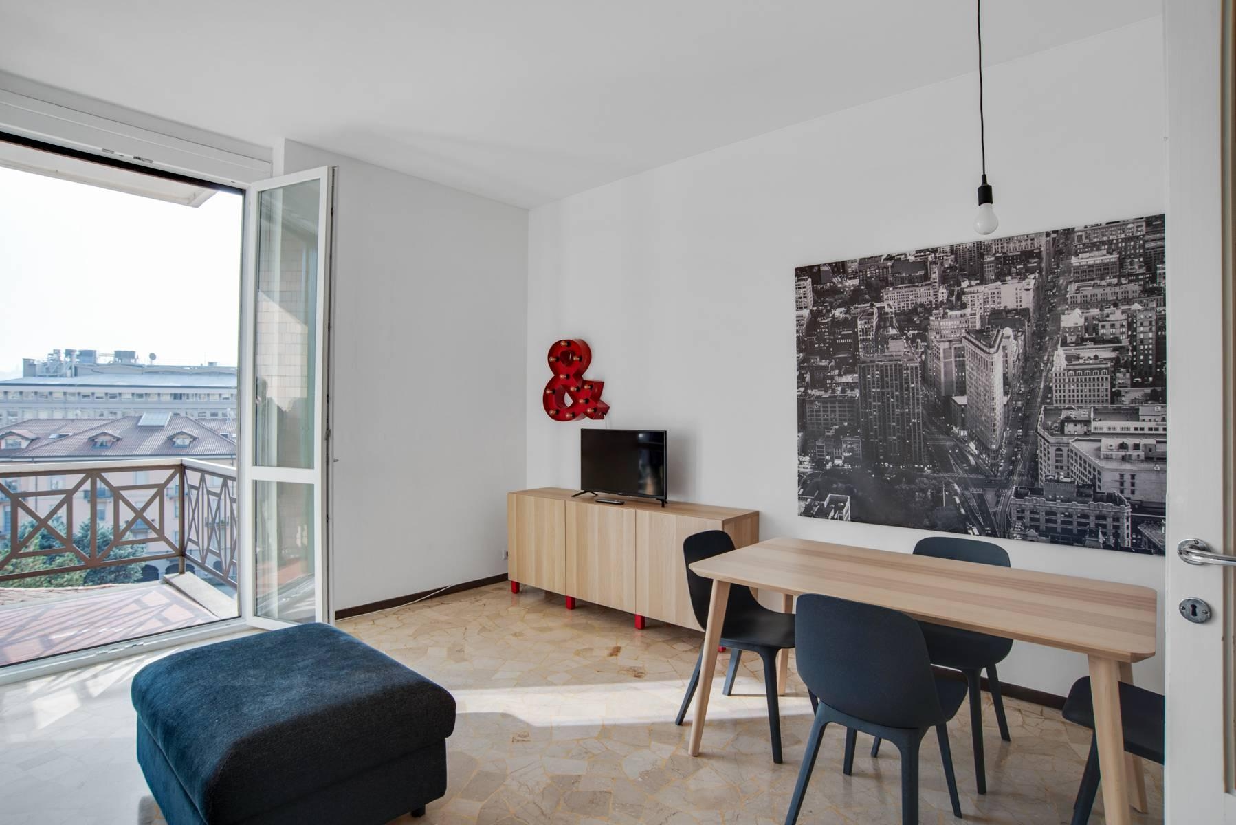 Appartamento in Affitto a Como via rezzonico