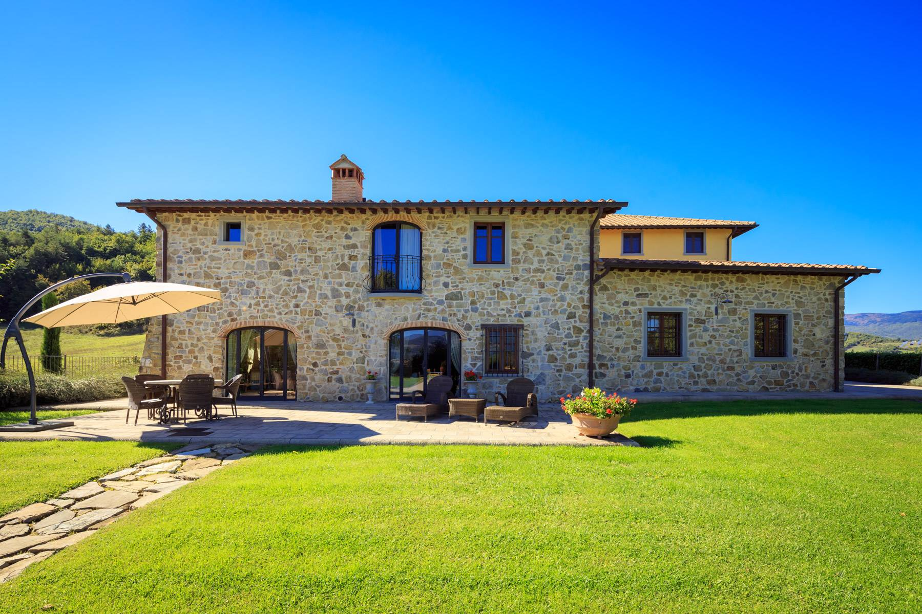 Villa in Vendita a Poppi: 5 locali, 1075 mq - Foto 3