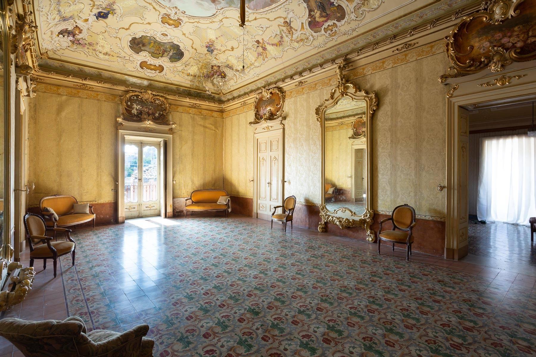 Palazzo in Vendita a Palazzolo Acreide: 5 locali, 800 mq - Foto 2