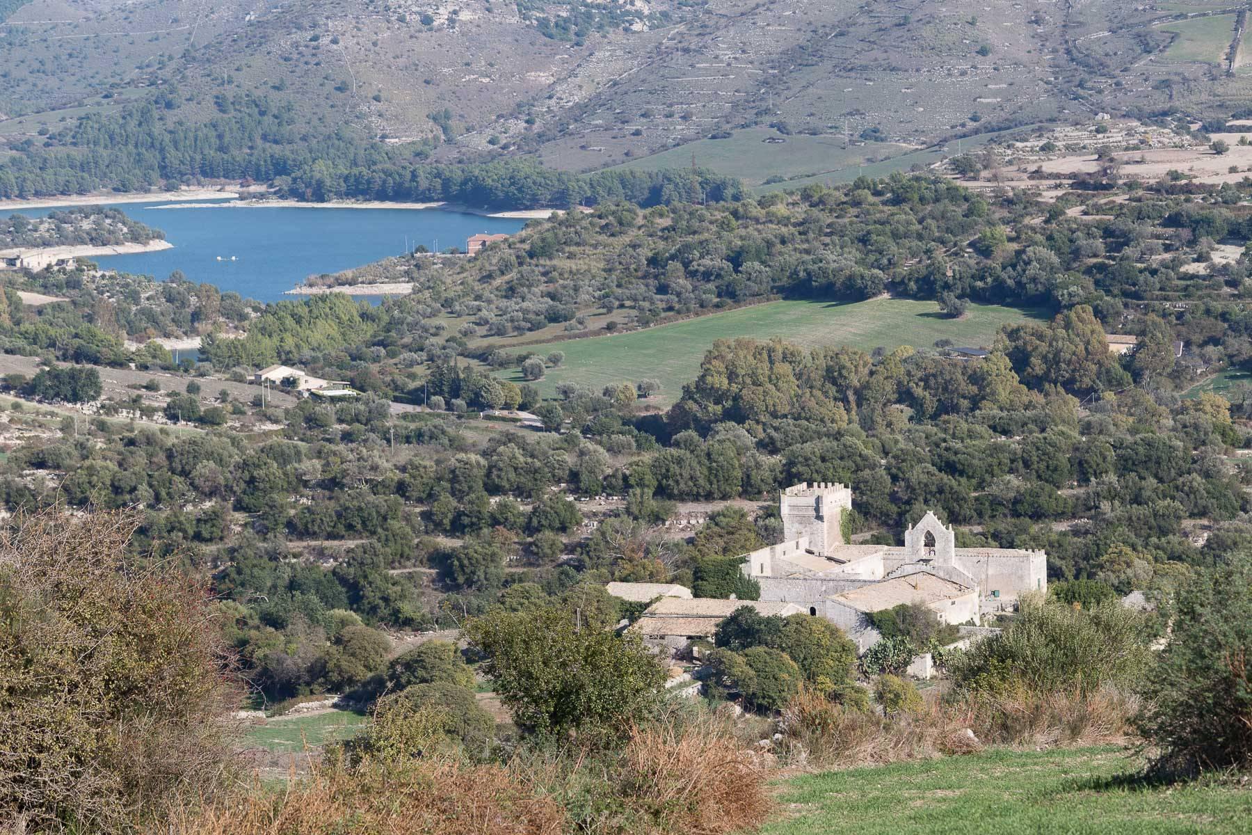 Villa in Vendita a Ragusa: 5 locali, 1500 mq - Foto 2