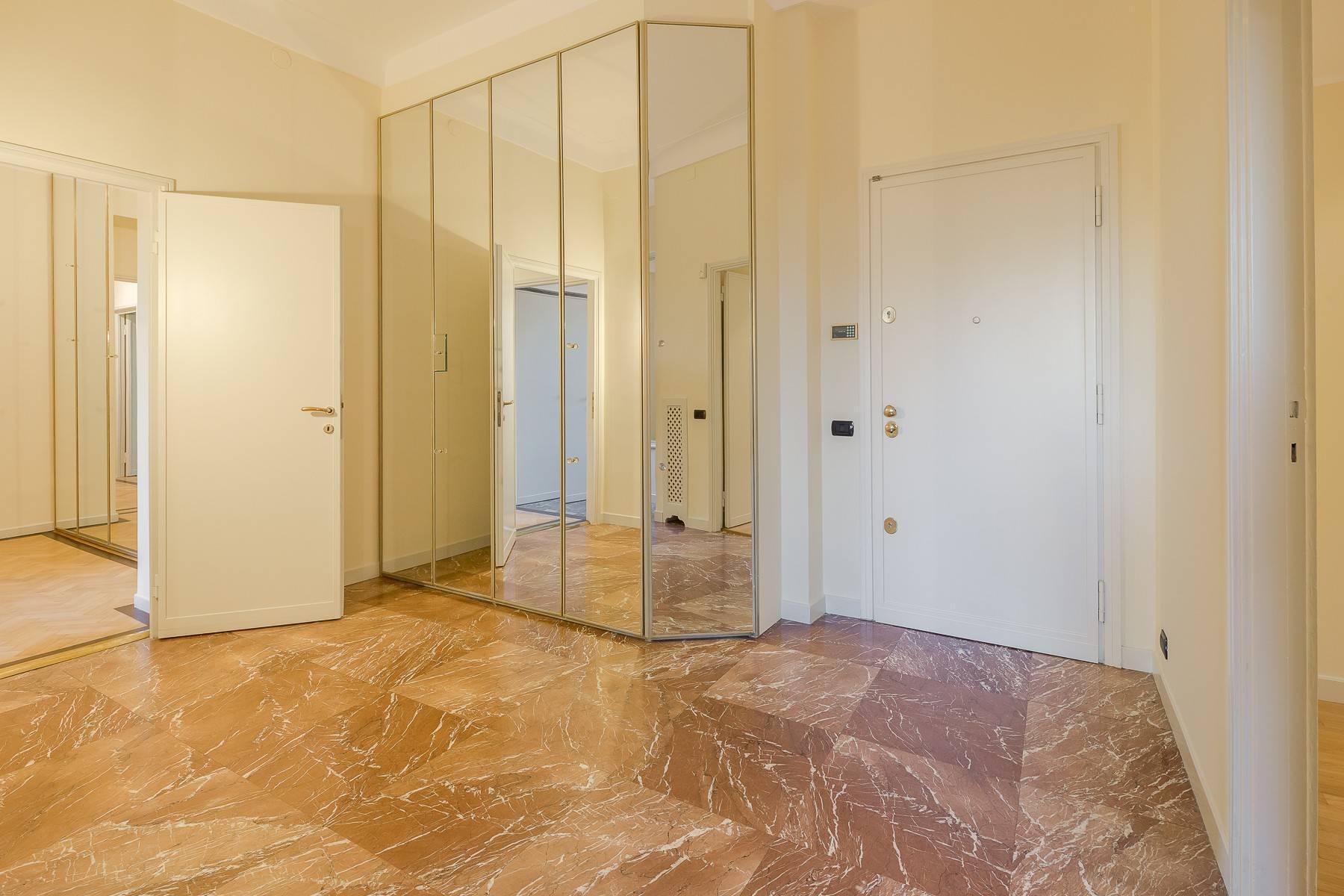 Appartamento in Affitto a Milano: 5 locali, 226 mq - Foto 3