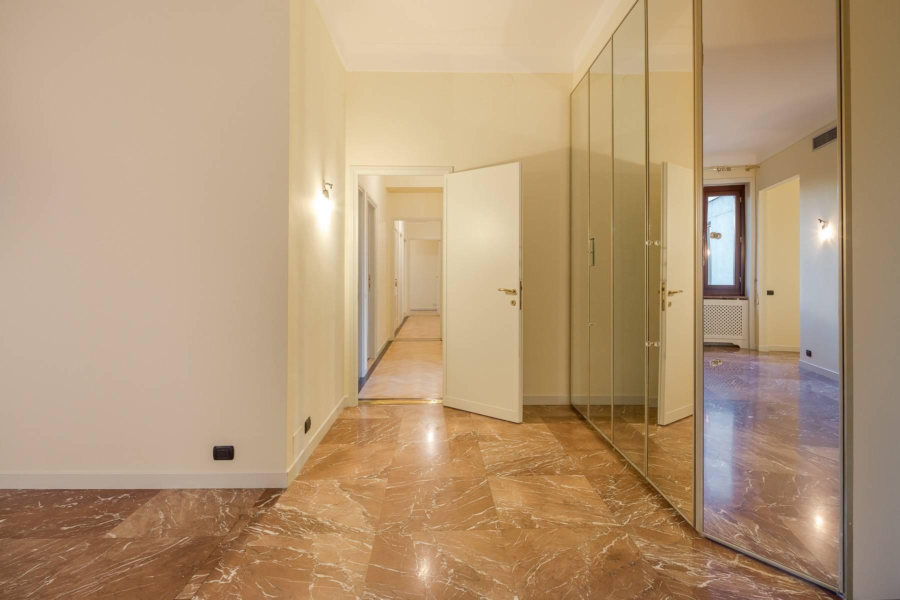 Appartamento in Affitto a Milano: 5 locali, 226 mq - Foto 4