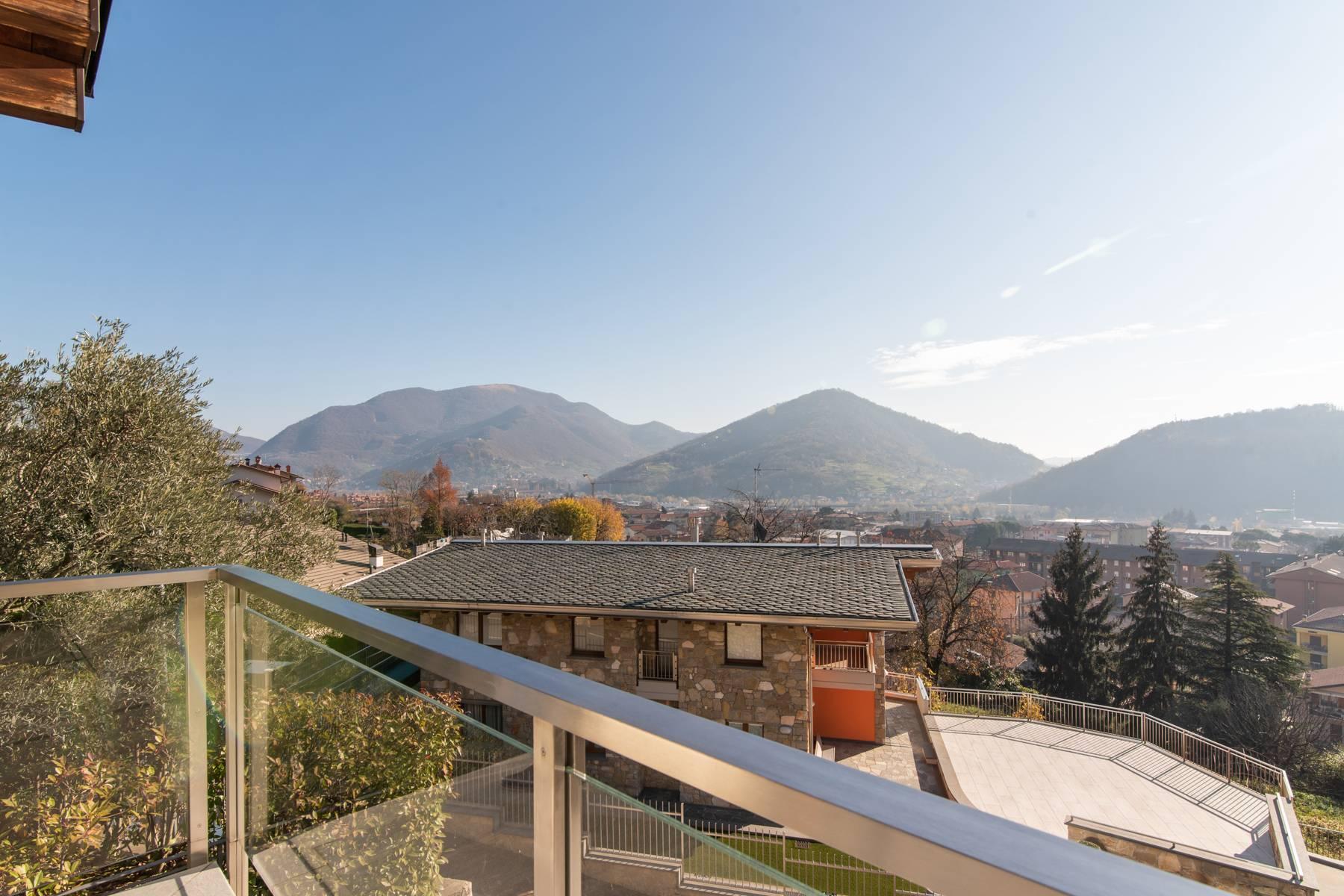 Villa in Vendita a Nembro: 5 locali, 530 mq - Foto 6