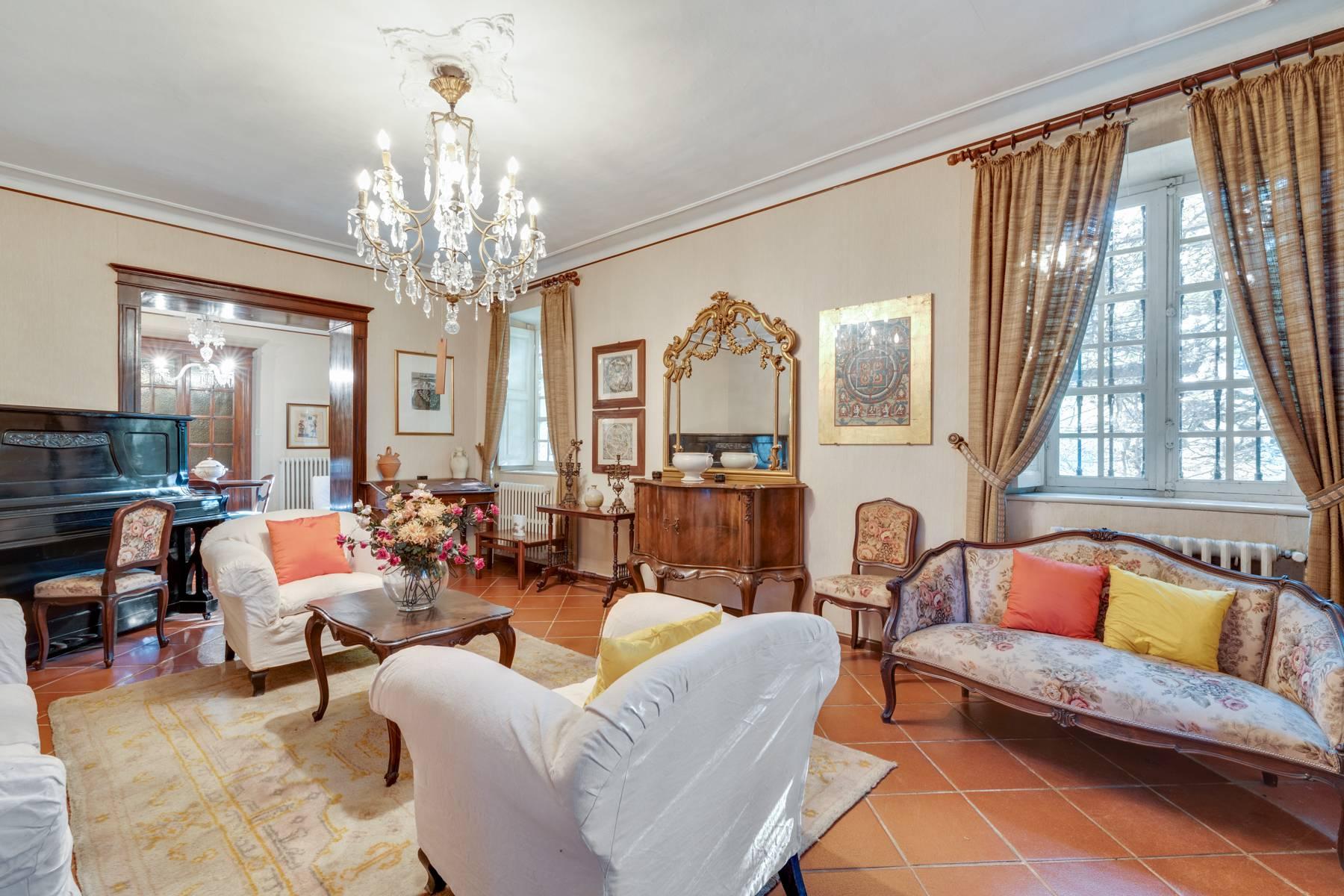 Villa in Vendita a Asti: 5 locali, 750 mq - Foto 2