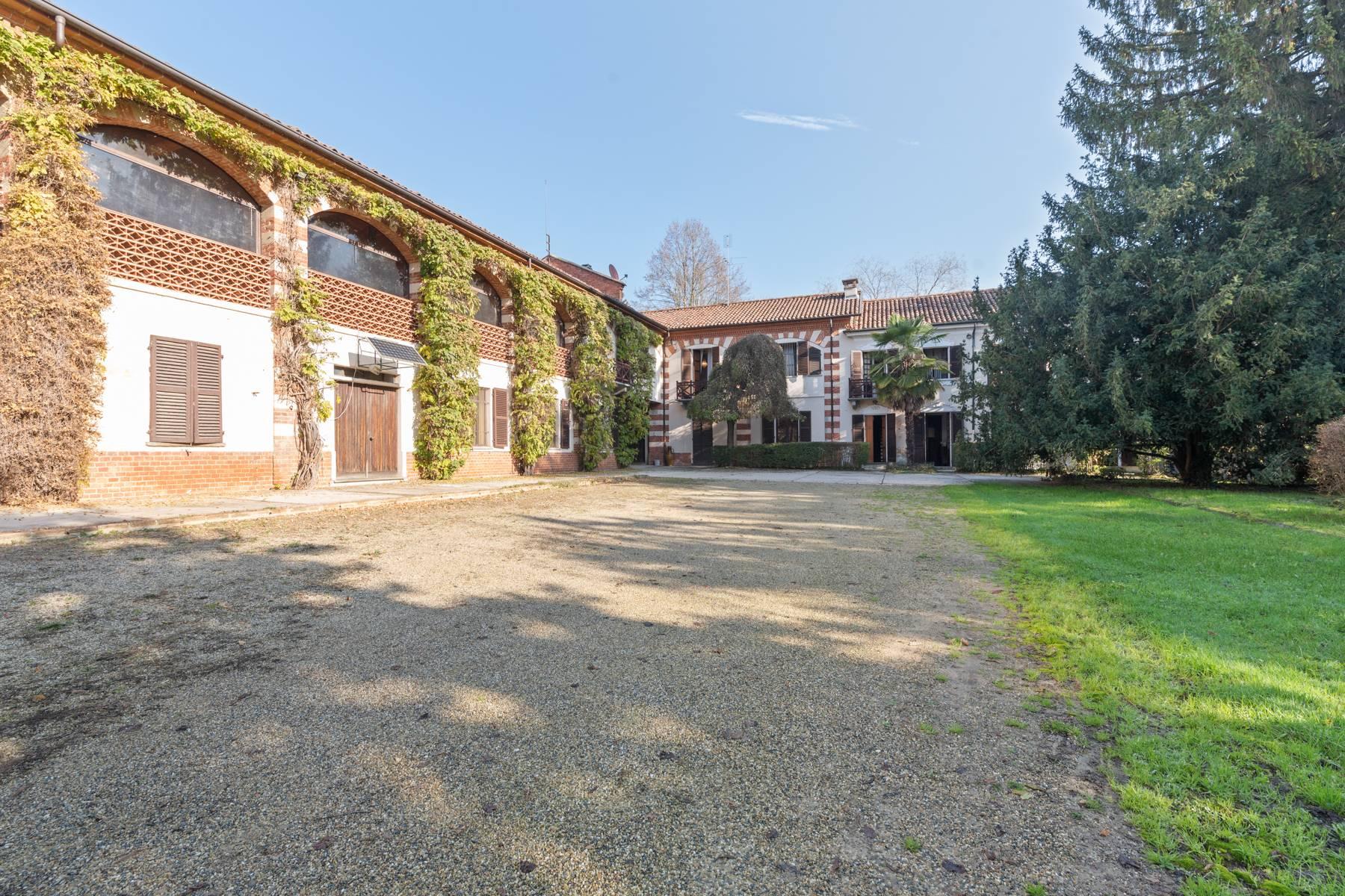 Villa in Vendita a Asti: 5 locali, 750 mq - Foto 1