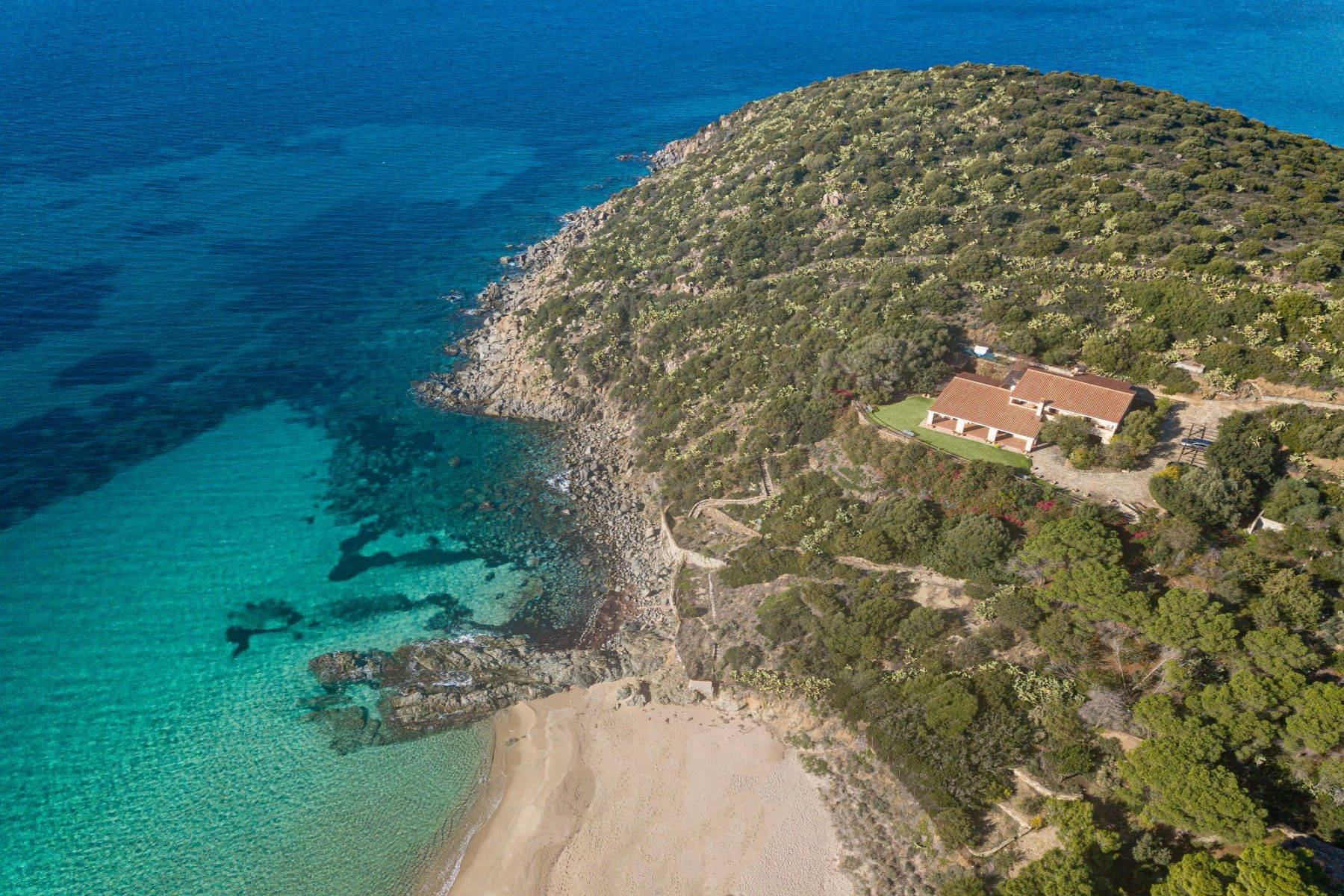 Villa in Vendita a Quartu Sant'Elena: 5 locali, 650 mq - Foto 2