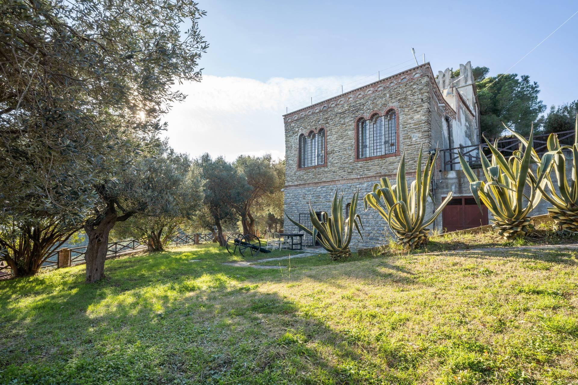 Villa in Vendita a Albenga: 5 locali, 218 mq - Foto 13