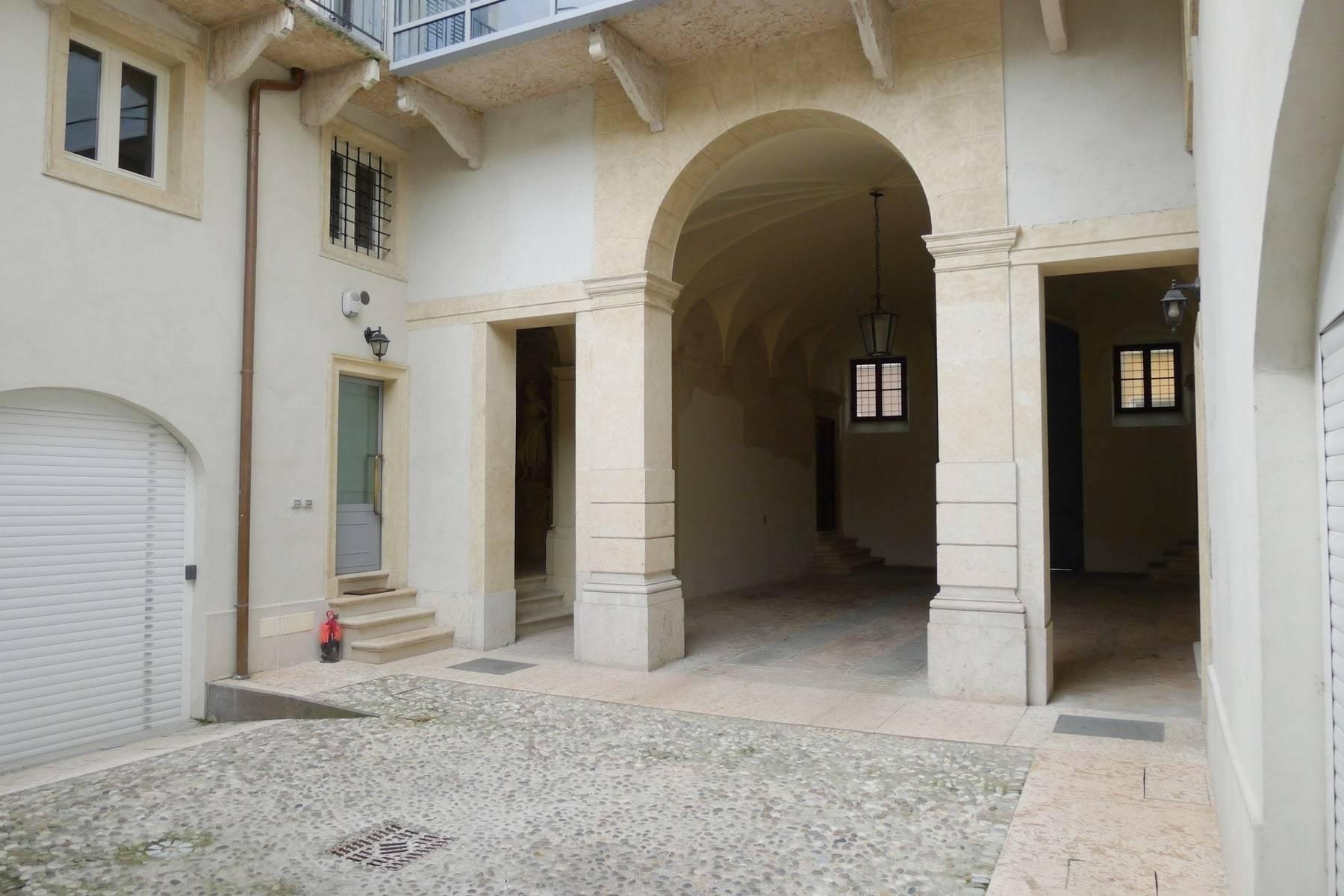 Attico in Vendita a Verona: 5 locali, 450 mq - Foto 13