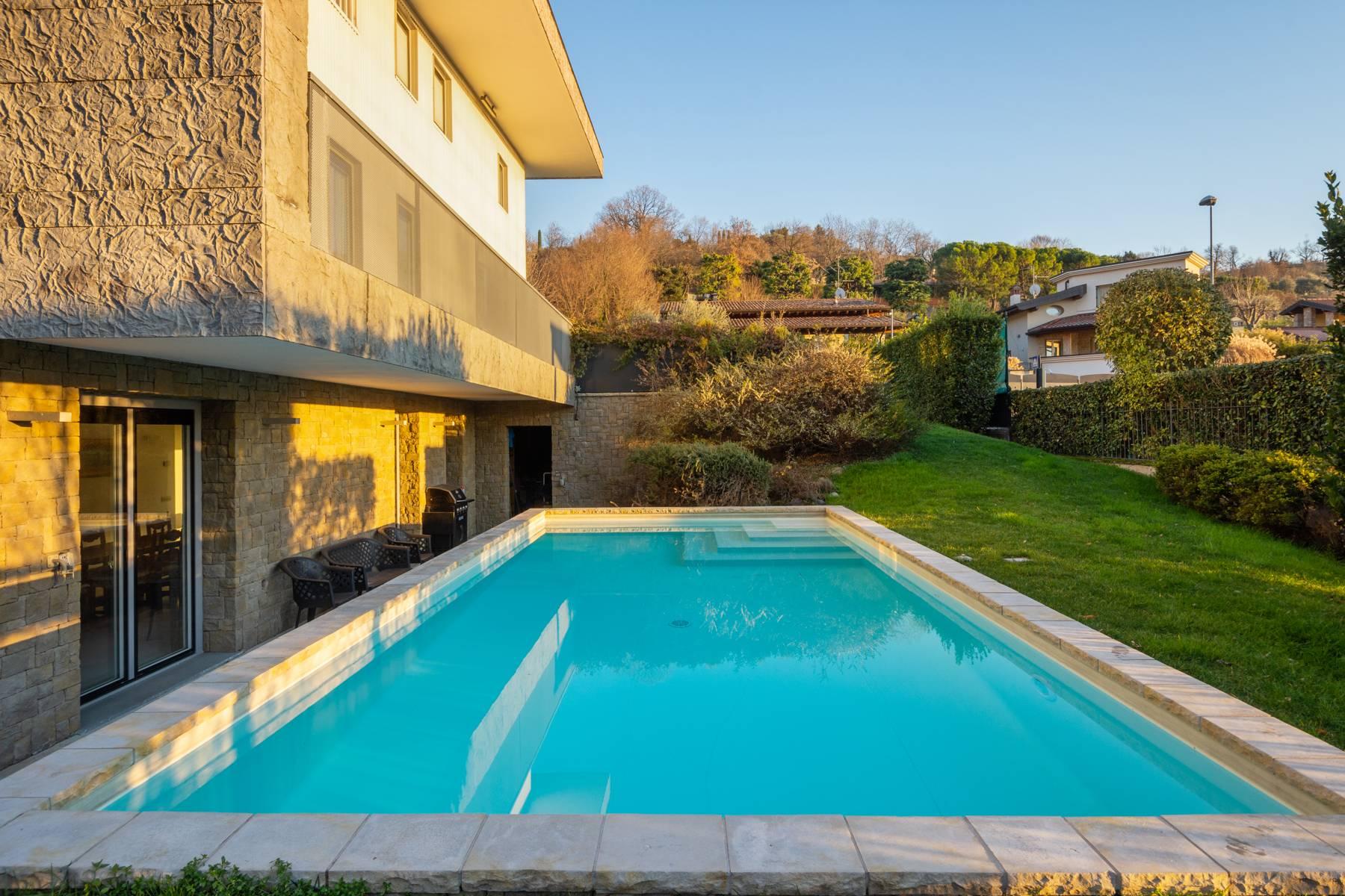 Villa in Vendita a Gussago: 5 locali, 424 mq - Foto 2