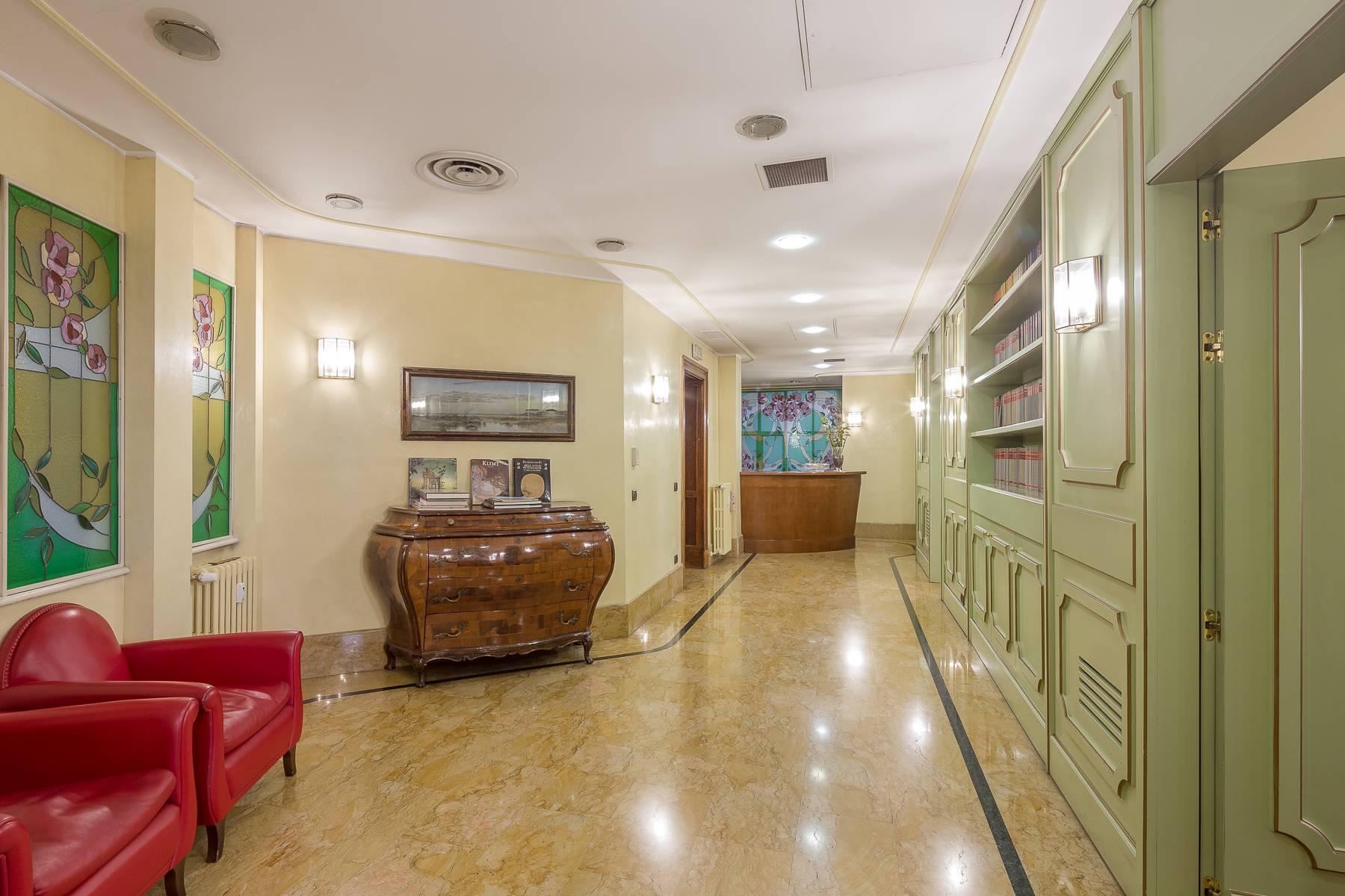 Ufficio-studio in Vendita a Milano: 5 locali, 470 mq - Foto 4
