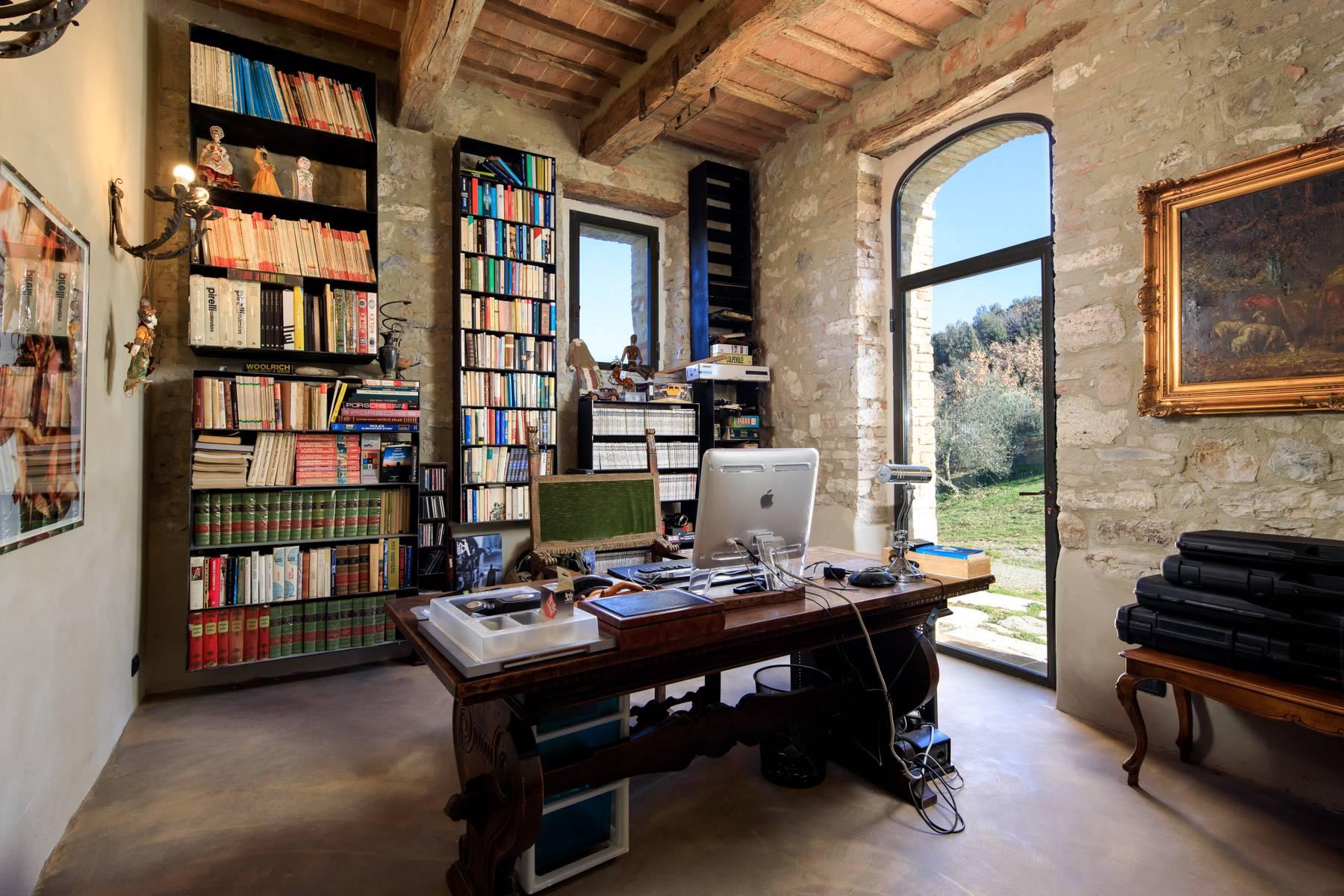 Rustico in Vendita a Castiglione D'Orcia: 5 locali, 716 mq - Foto 12